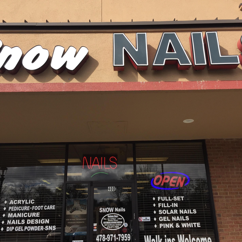 Snow Nails LLC