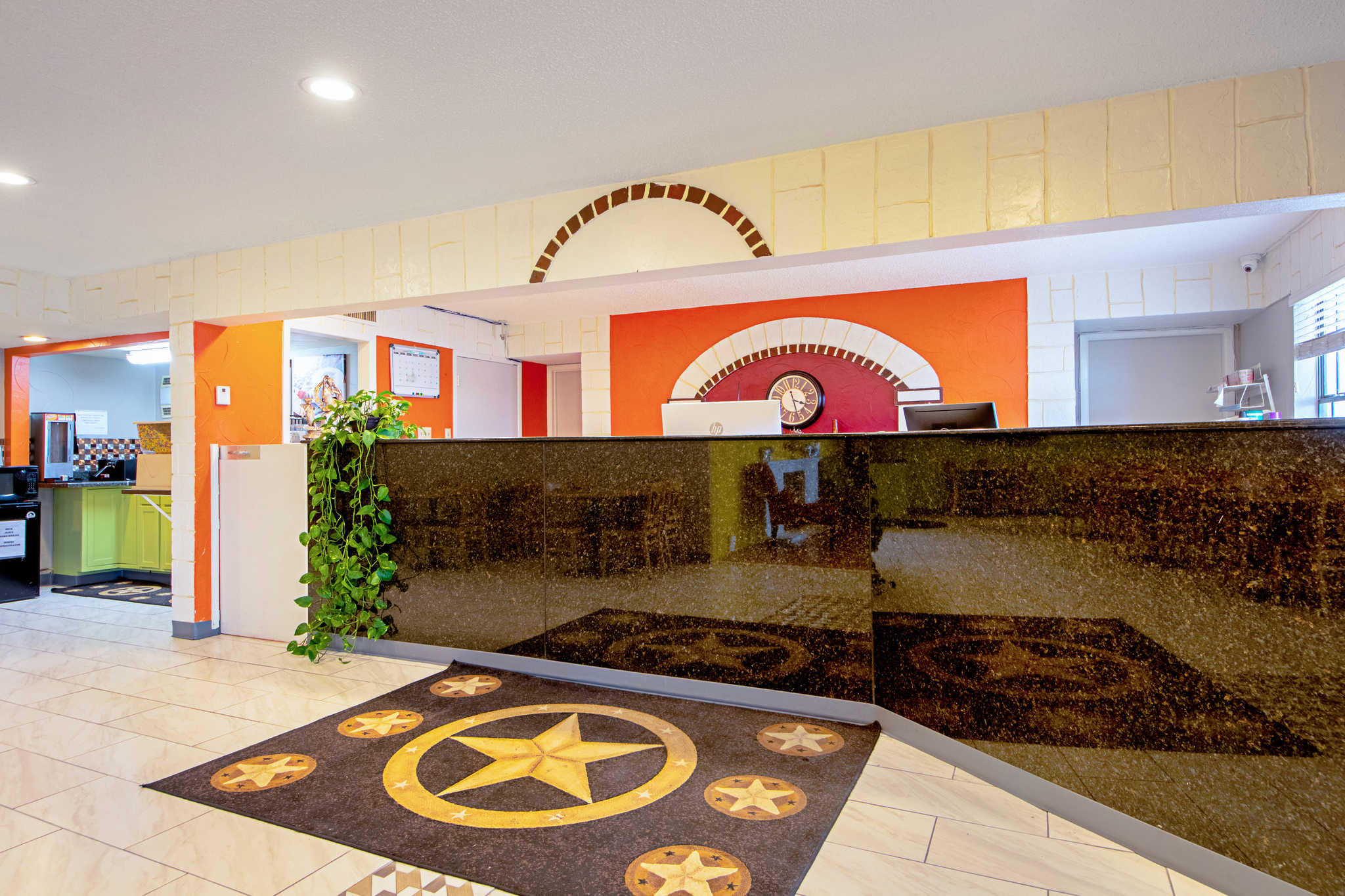 Rodeway Inn & Suites image 3