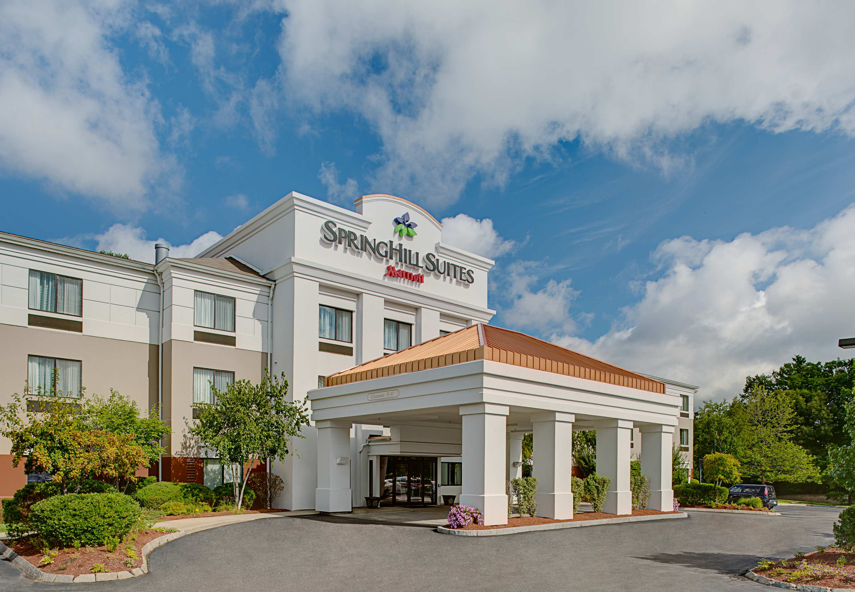 SpringHill Suites by Marriott Manchester-Boston Regional Airport image 0