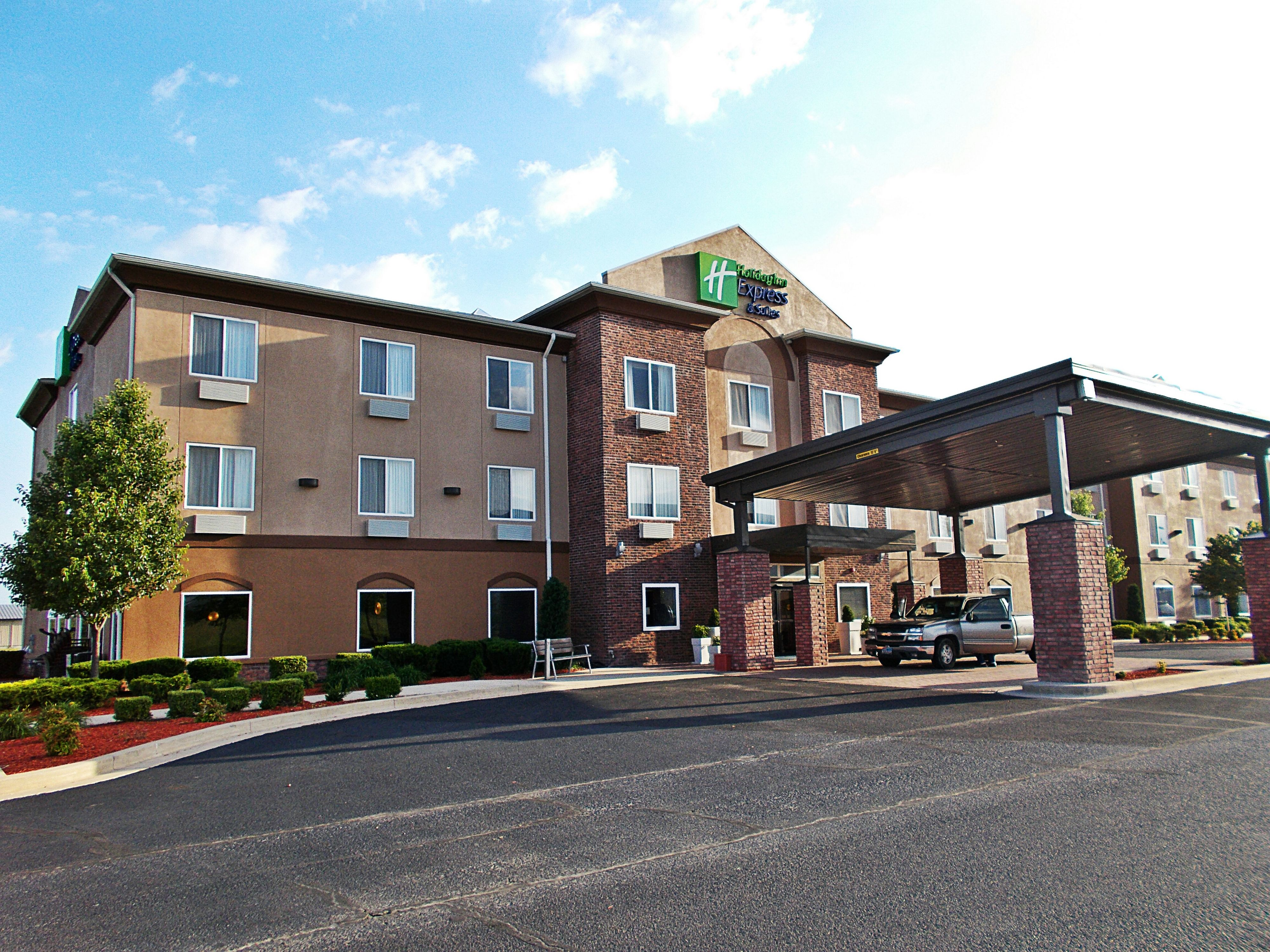 Holiday Inn Express & Suites Mesquite image 5