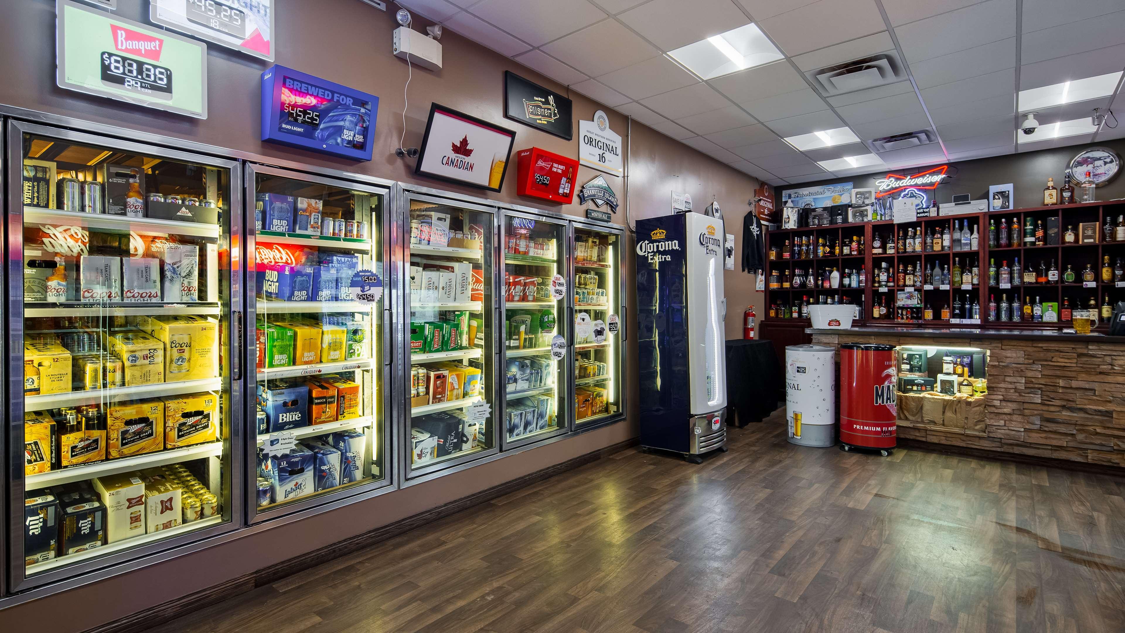 Best Western Marquis Inn & Suites in Prince Albert: Hotel Store