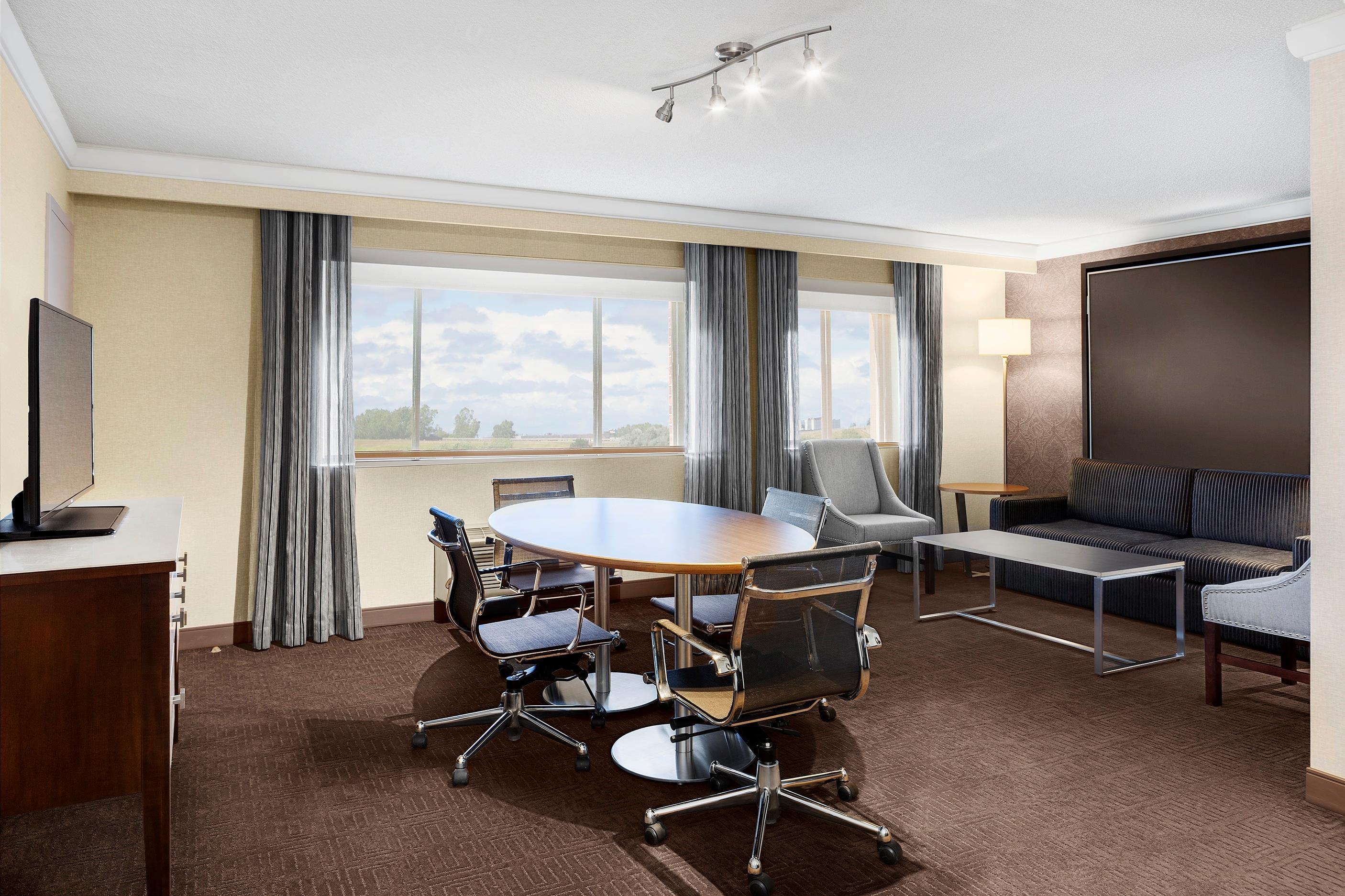 Sheraton Laval Hotel à Laval: Salon Corporatif