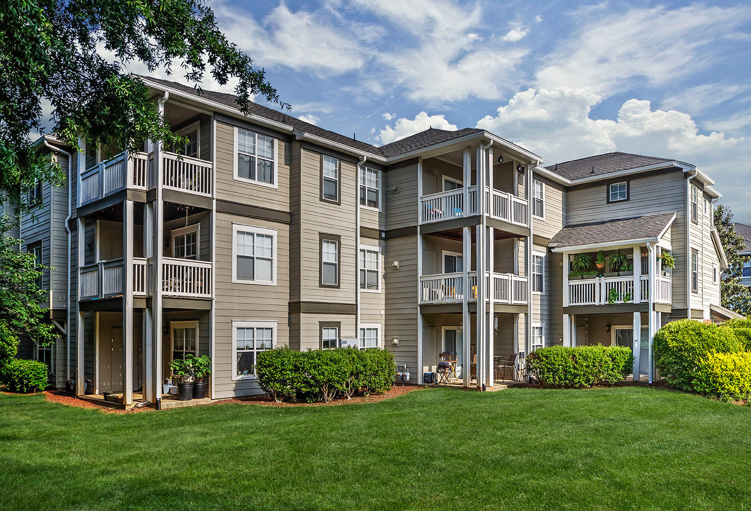 Camden Lake Pine Apartments image 23