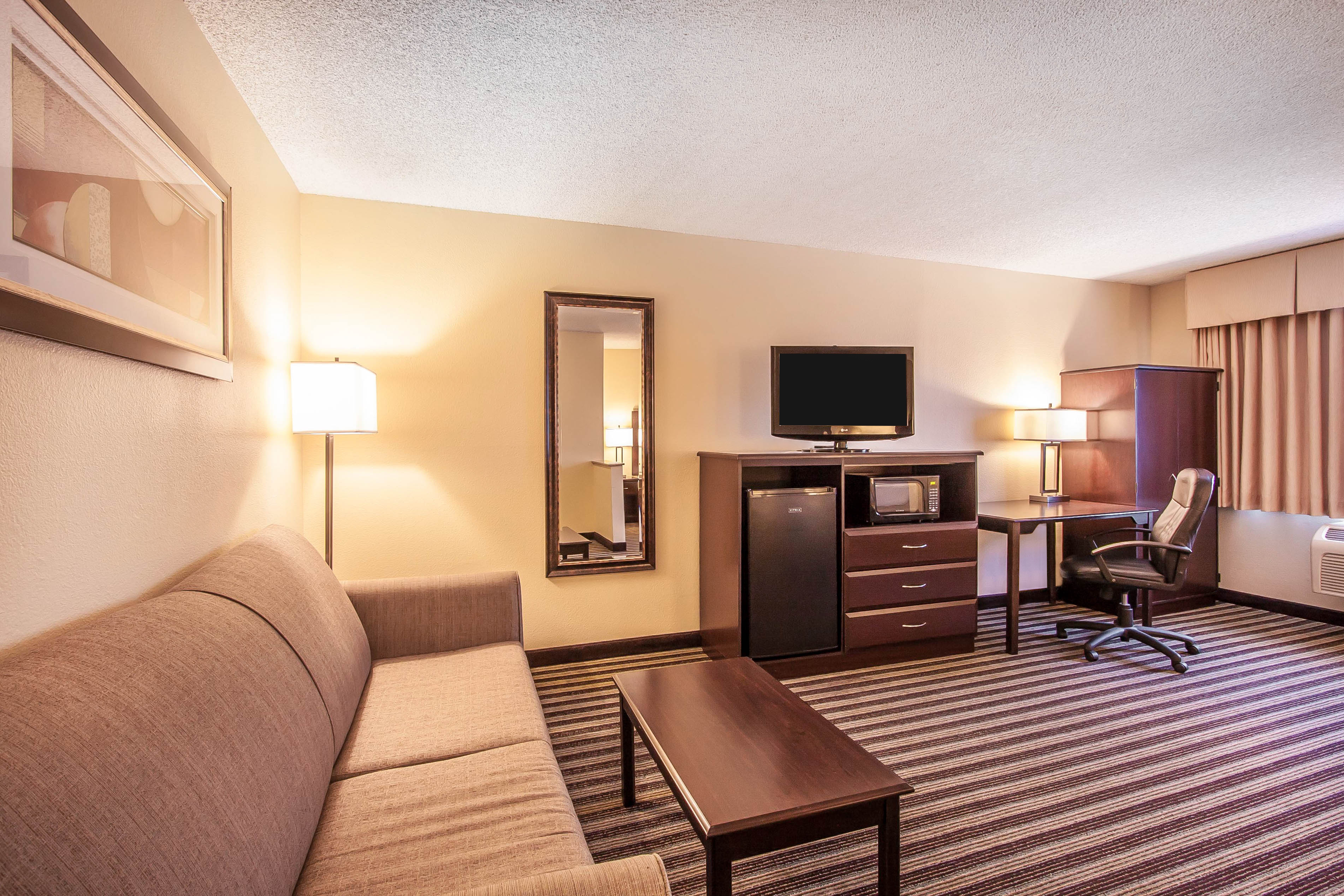 Quality Inn Amp Suites In Vancouver Wa Whitepages