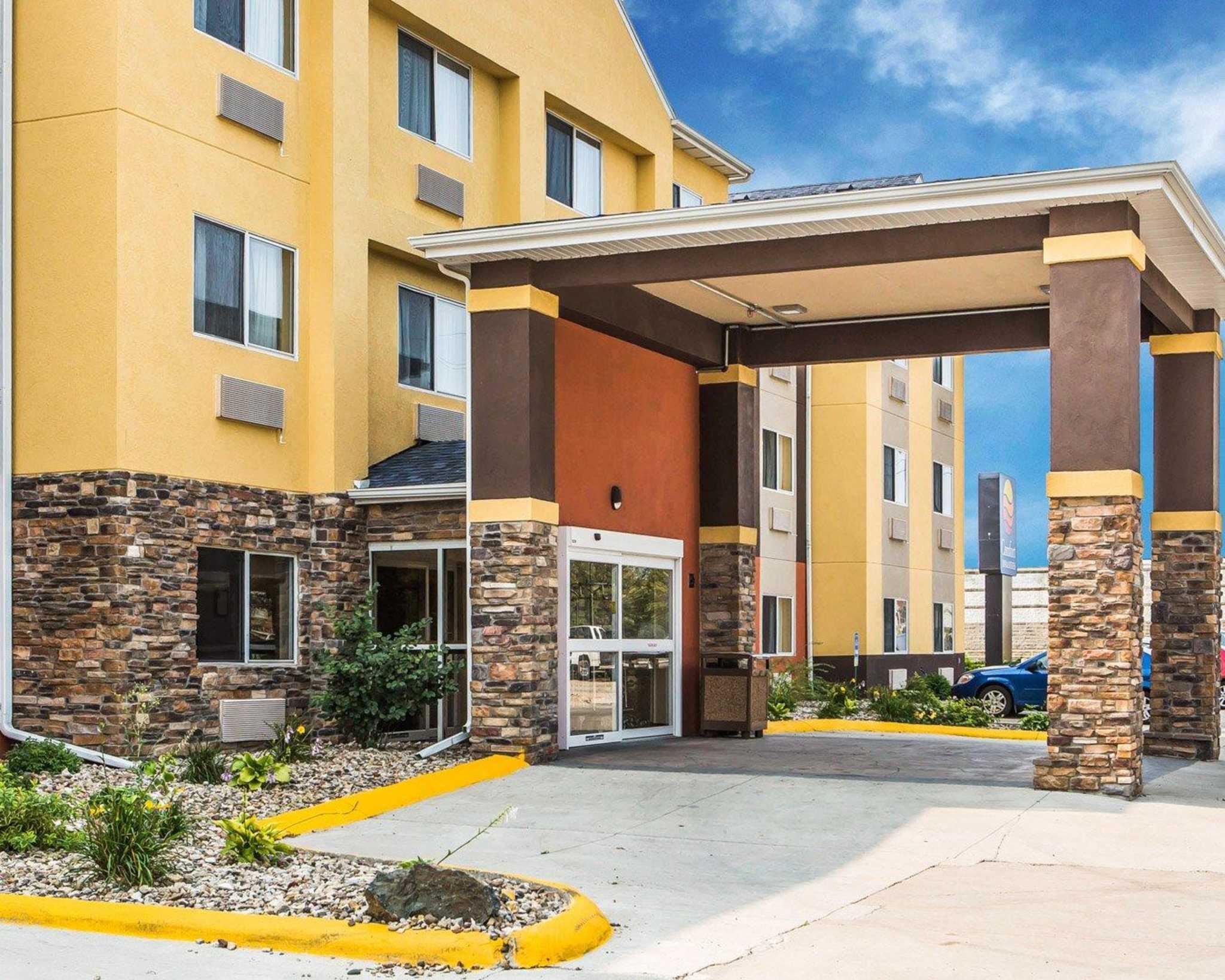 Comfort Inn & Suites Waterloo – Cedar Falls image 2