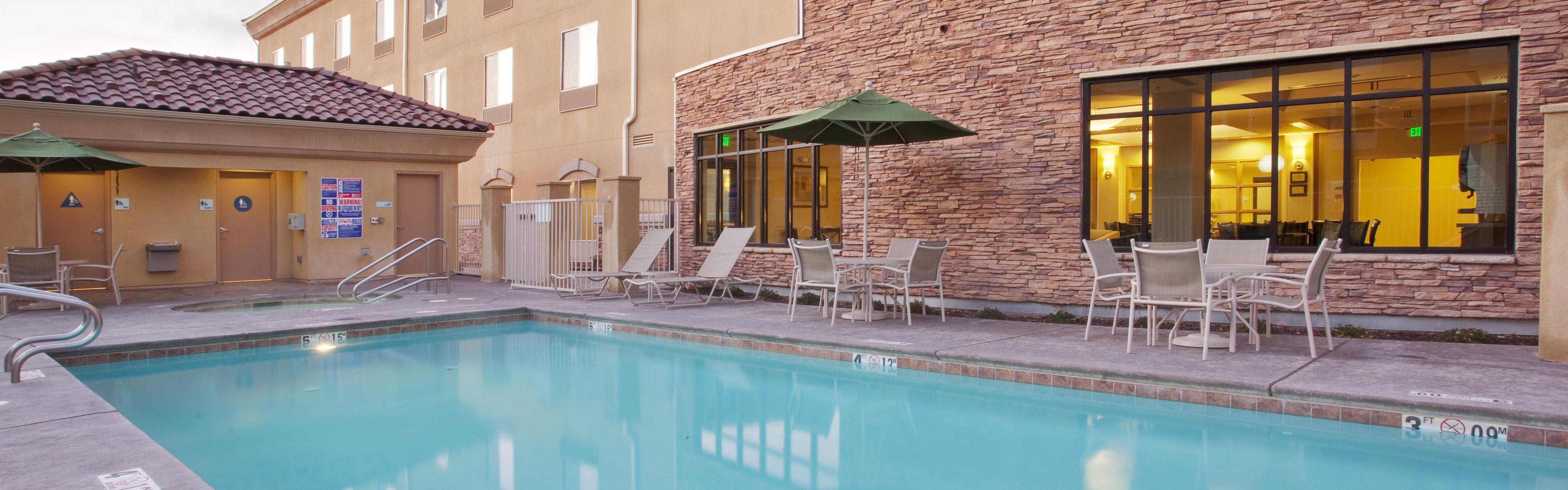 Holiday Inn Express & Suites Merced - Yosemite Natl Pk Area image 2