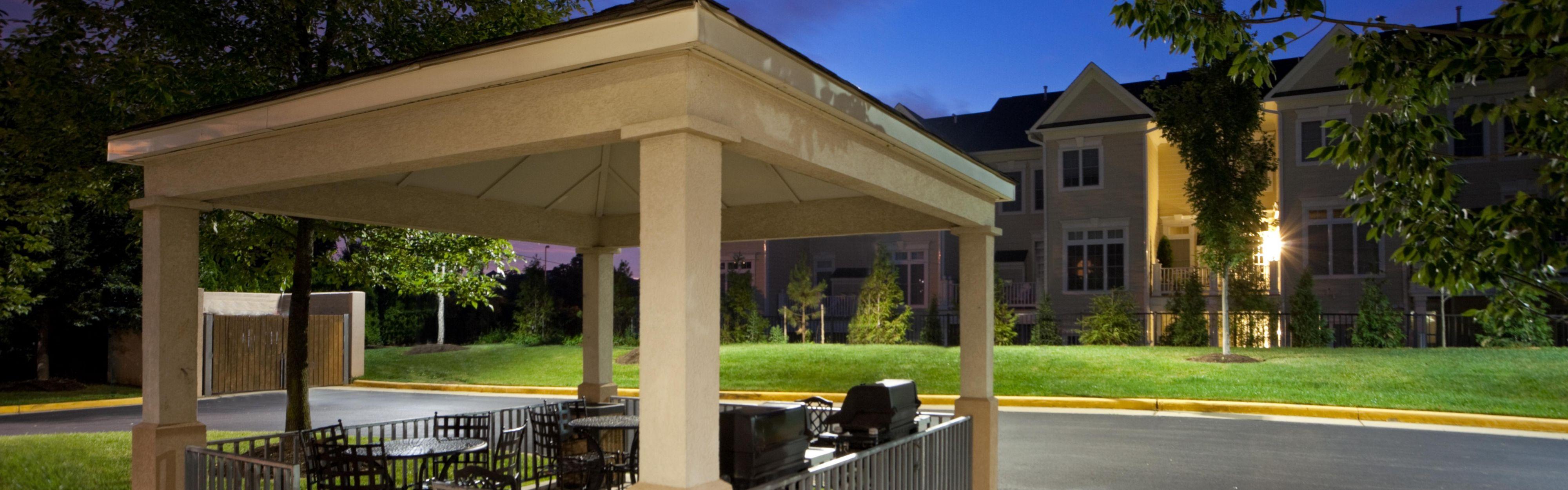 Candlewood Suites Washington-Fairfax image 2
