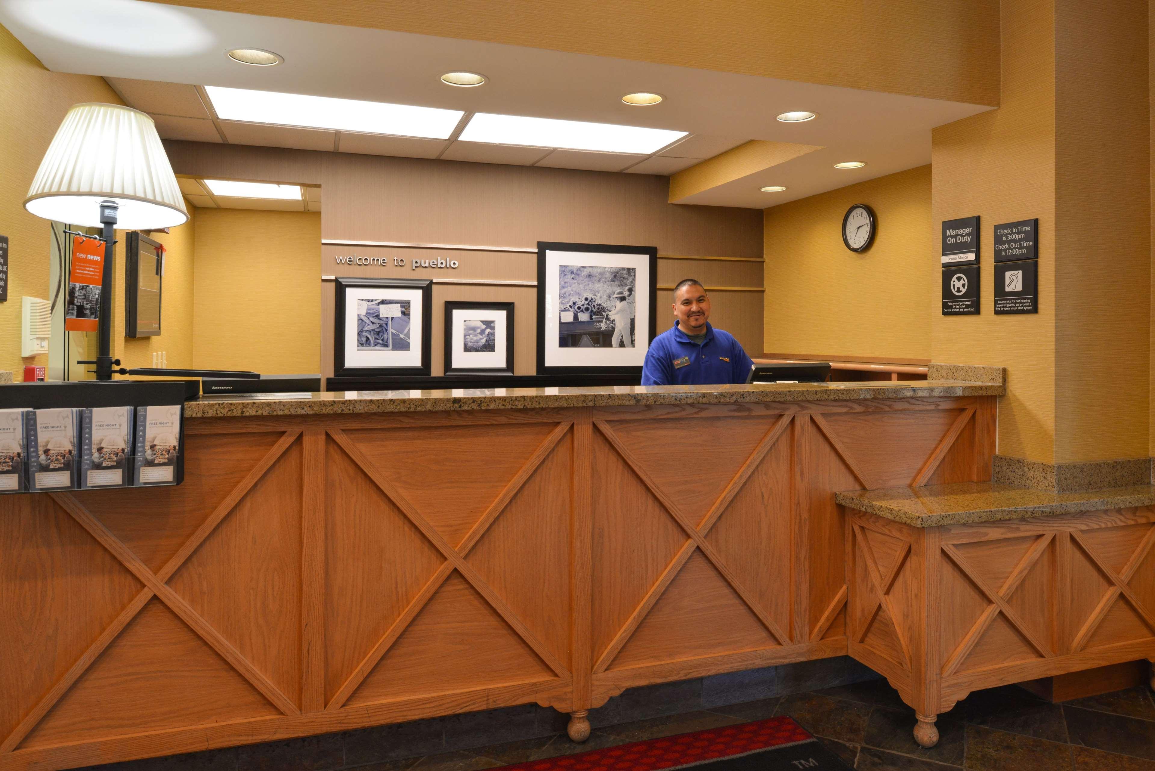 Hampton Inn & Suites Pueblo-Southgate image 2