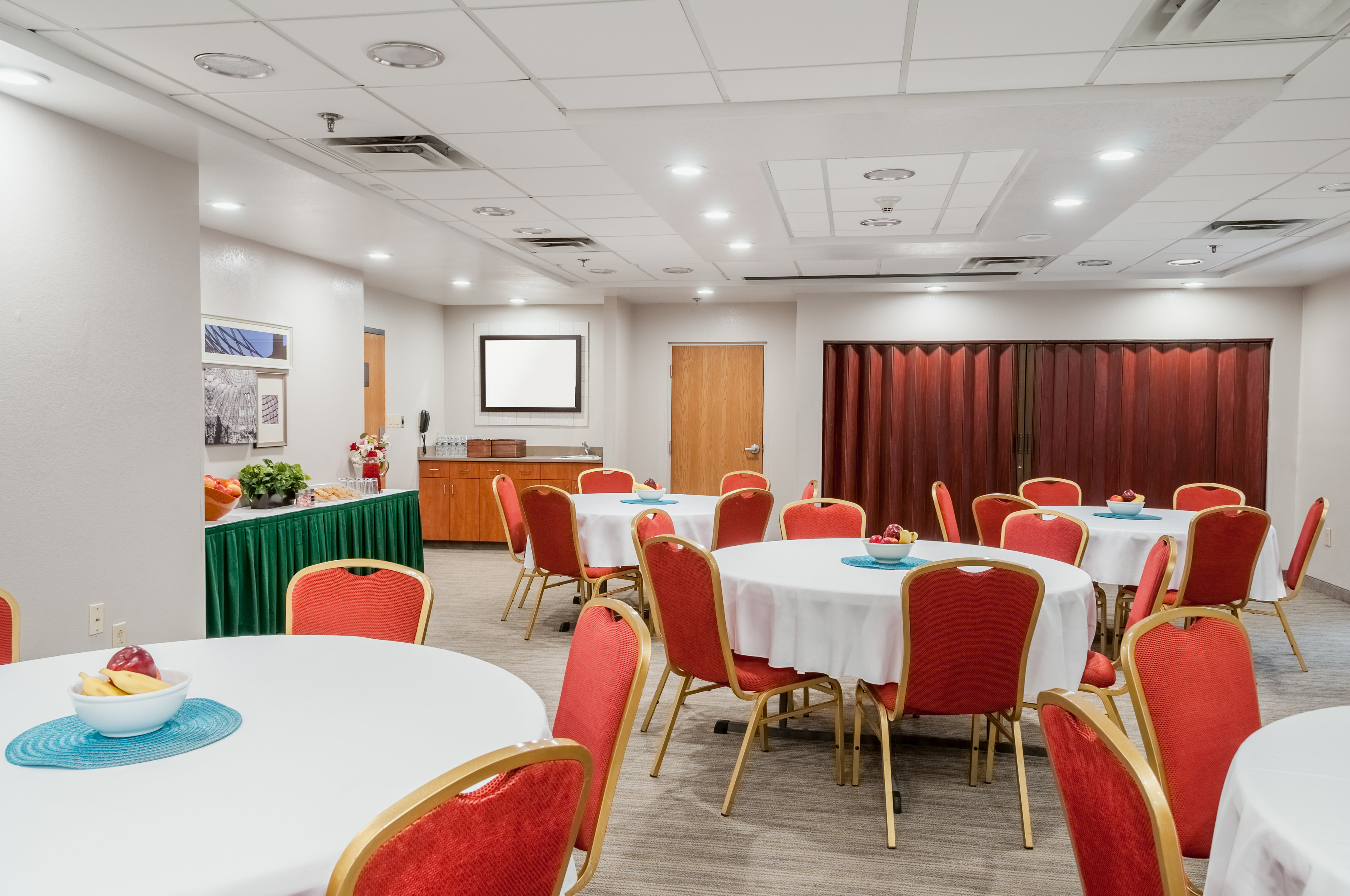 Country Inn & Suites by Radisson, Cookeville, TN image 0