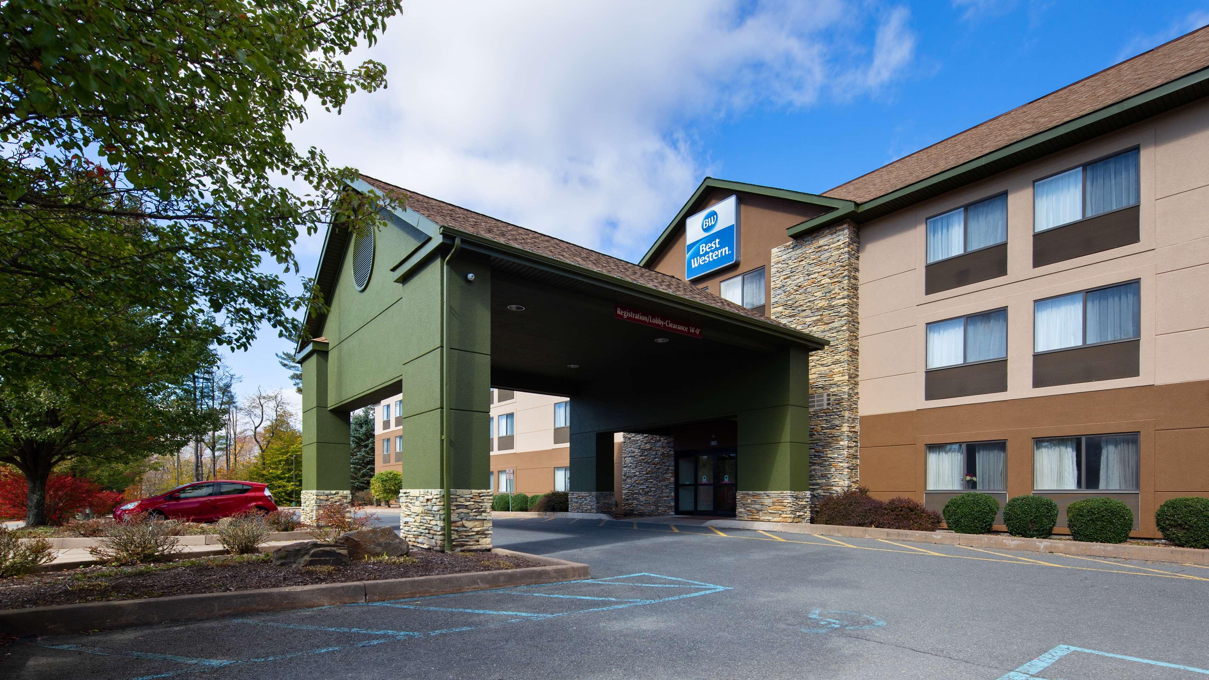 Best Western Inn at Blakeslee-Pocono image 0
