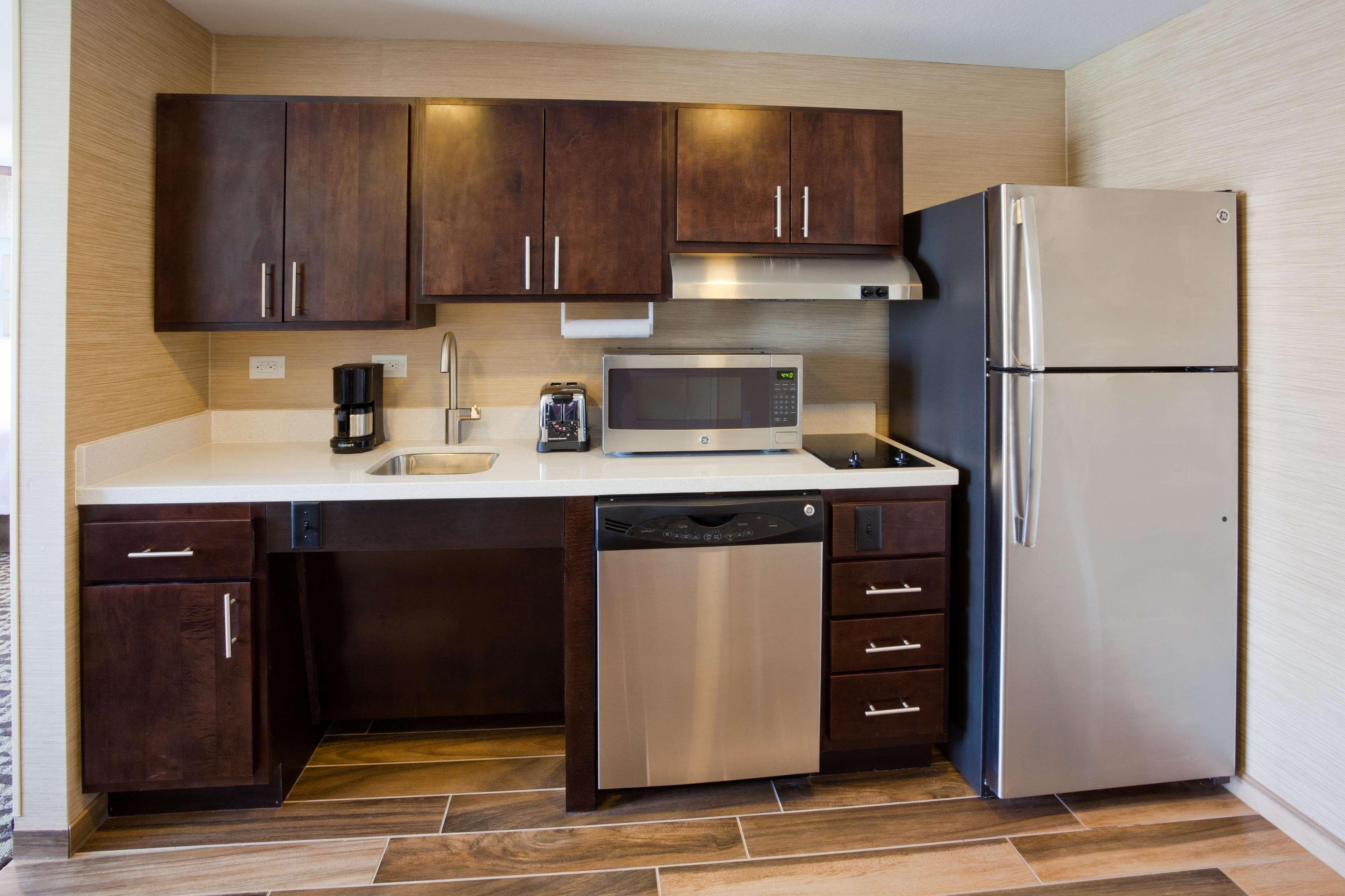 Homewood Suites by Hilton Davenport image 24
