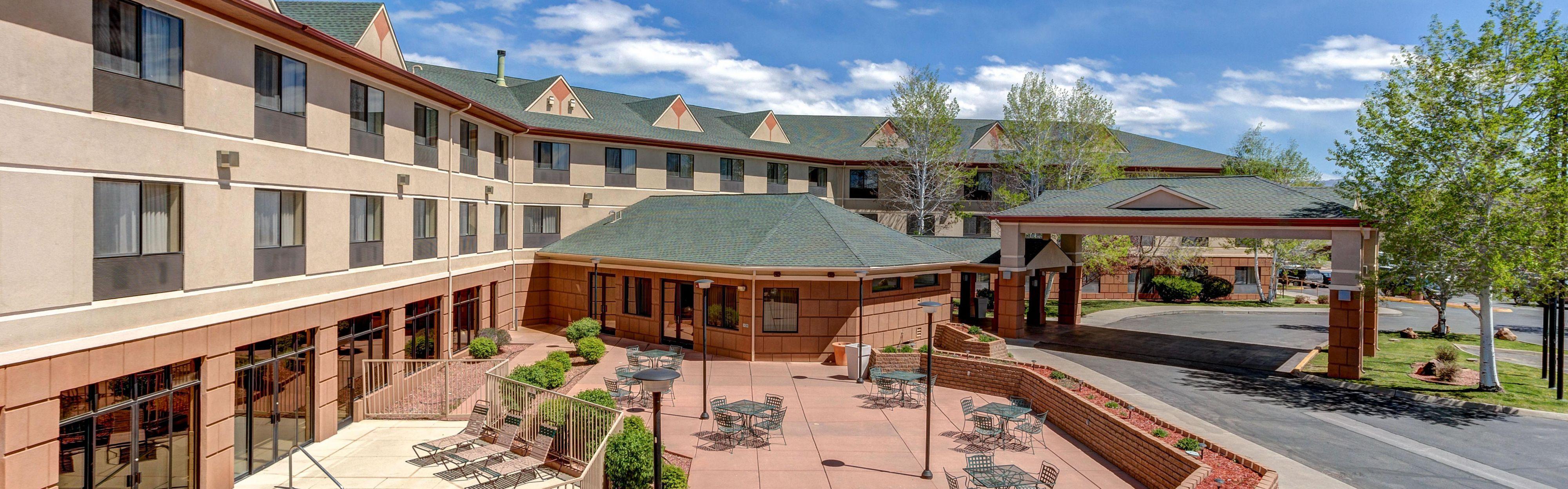 Holiday Inn Express & Suites Montrose image 0