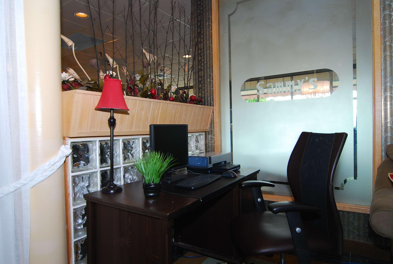 Best Western Little River Inn in Simcoe: Business Center