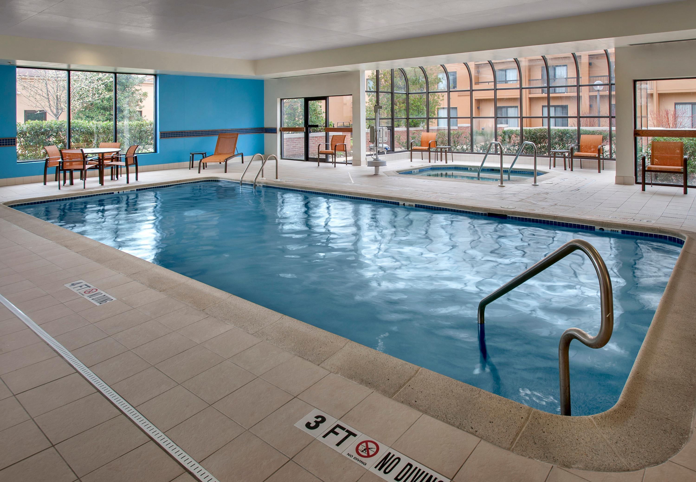 Courtyard by marriott mt laurel coupons mount laurel nj for Hotels 08054