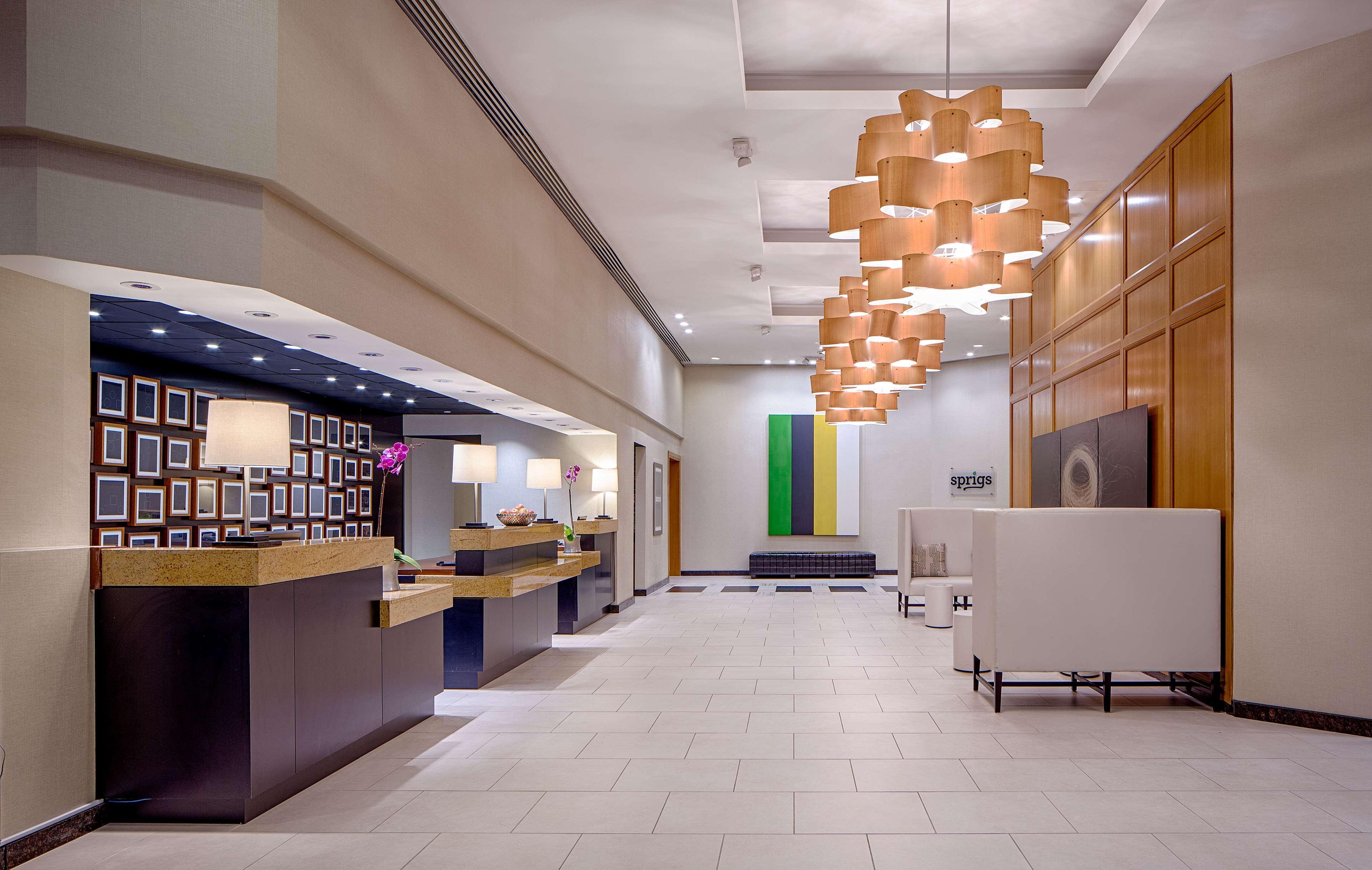 DoubleTree by Hilton Hotel Houston - Greenway Plaza image 2