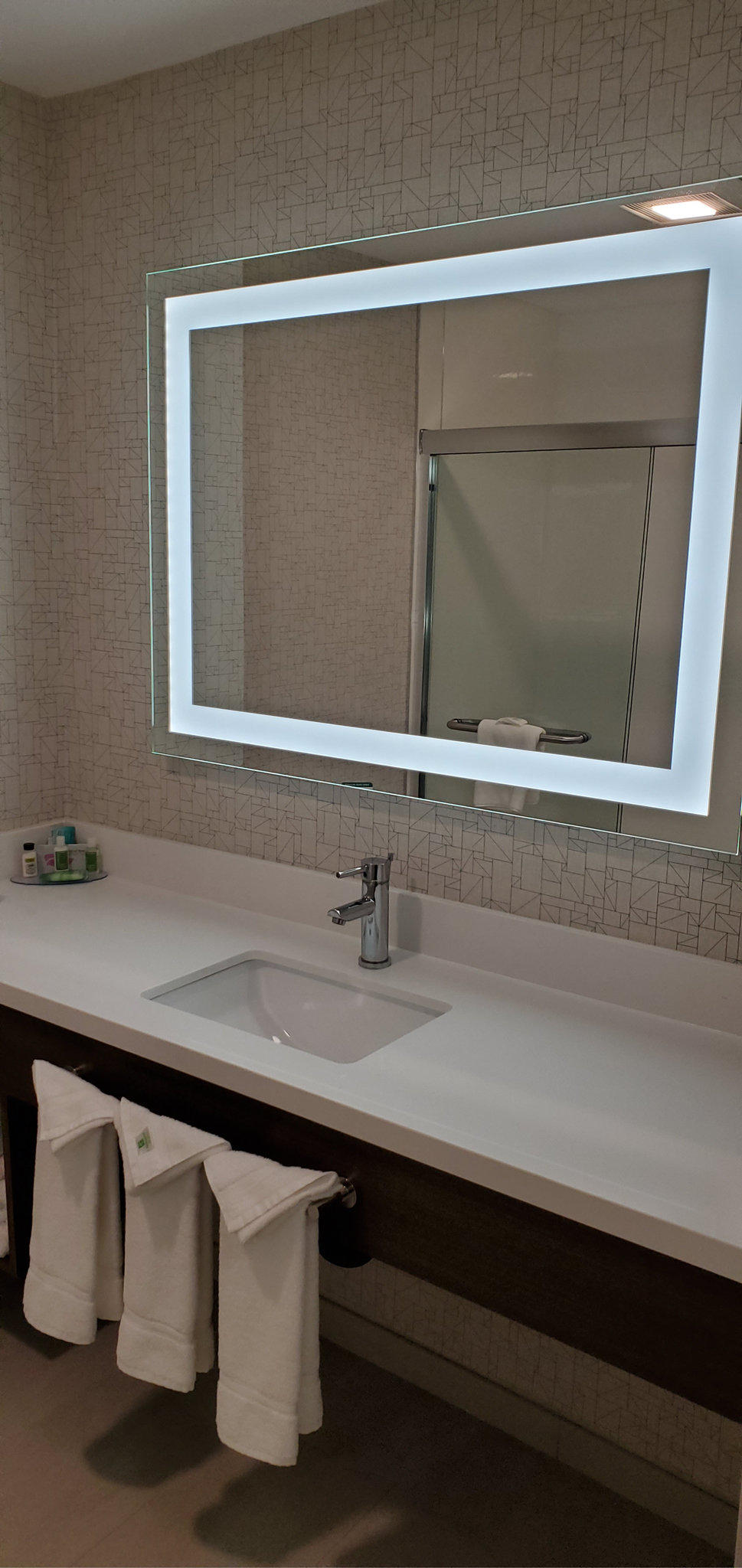 Holiday Inn Express & Suites Lake Forest - Irvine East
