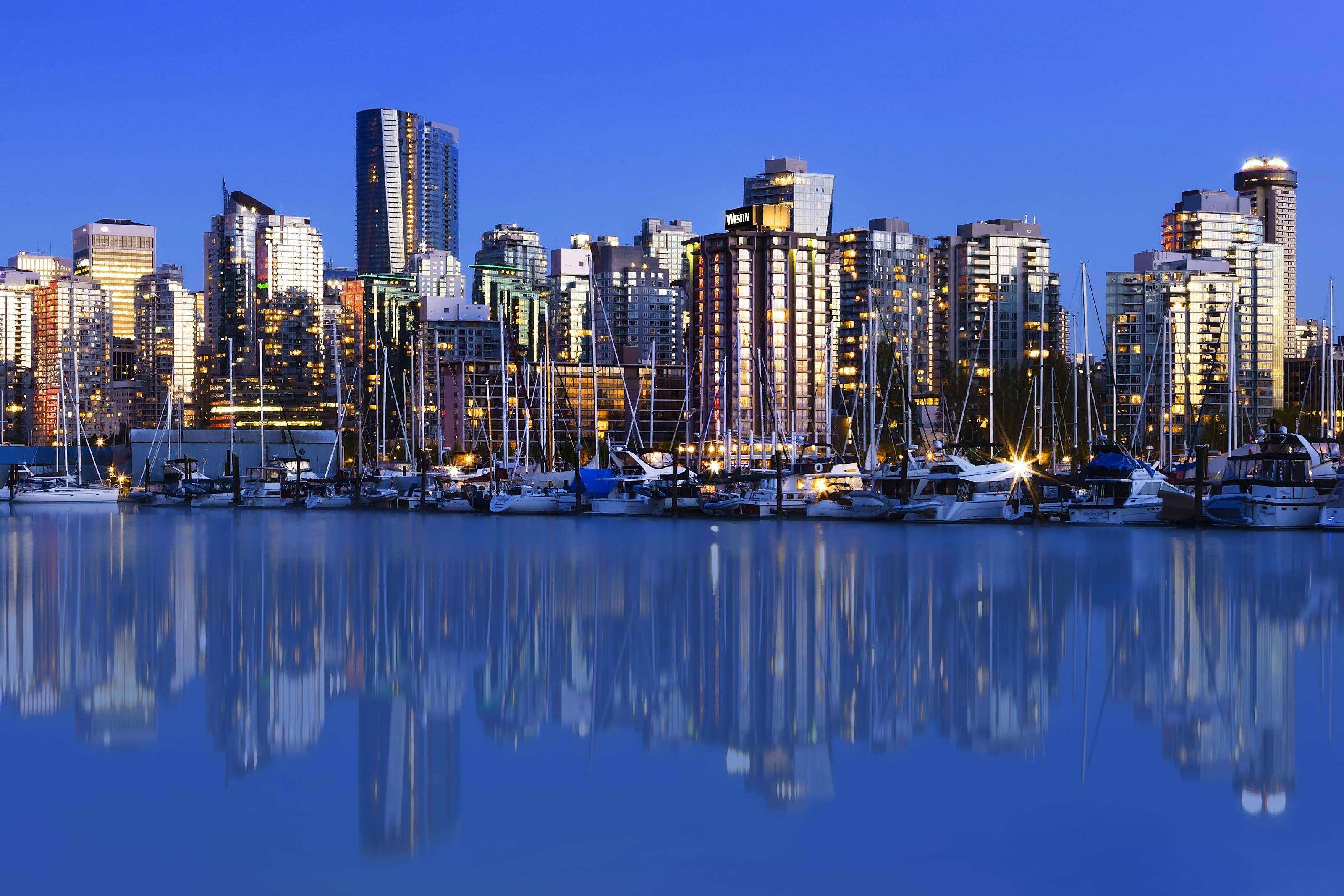 The Westin Bayshore, Vancouver in Vancouver: Vancouver Skyline and Hotel Exterior