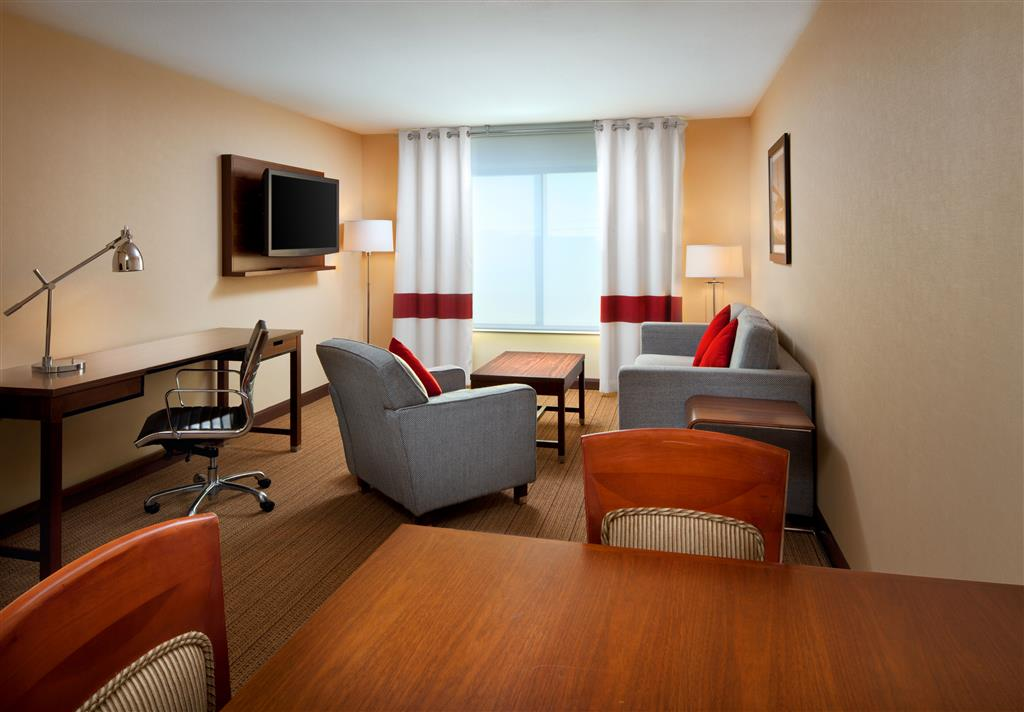 Four Points by Sheraton Hotel & Suites San Francisco Airport image 4