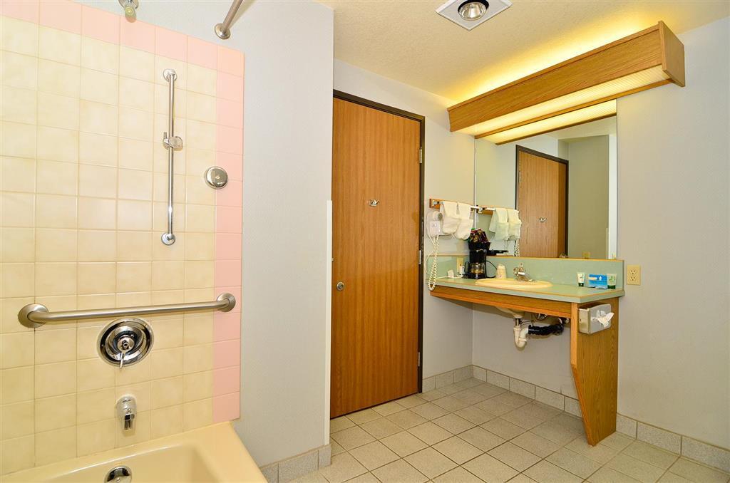 Americas Best Value Inn & Suites McCall image 16