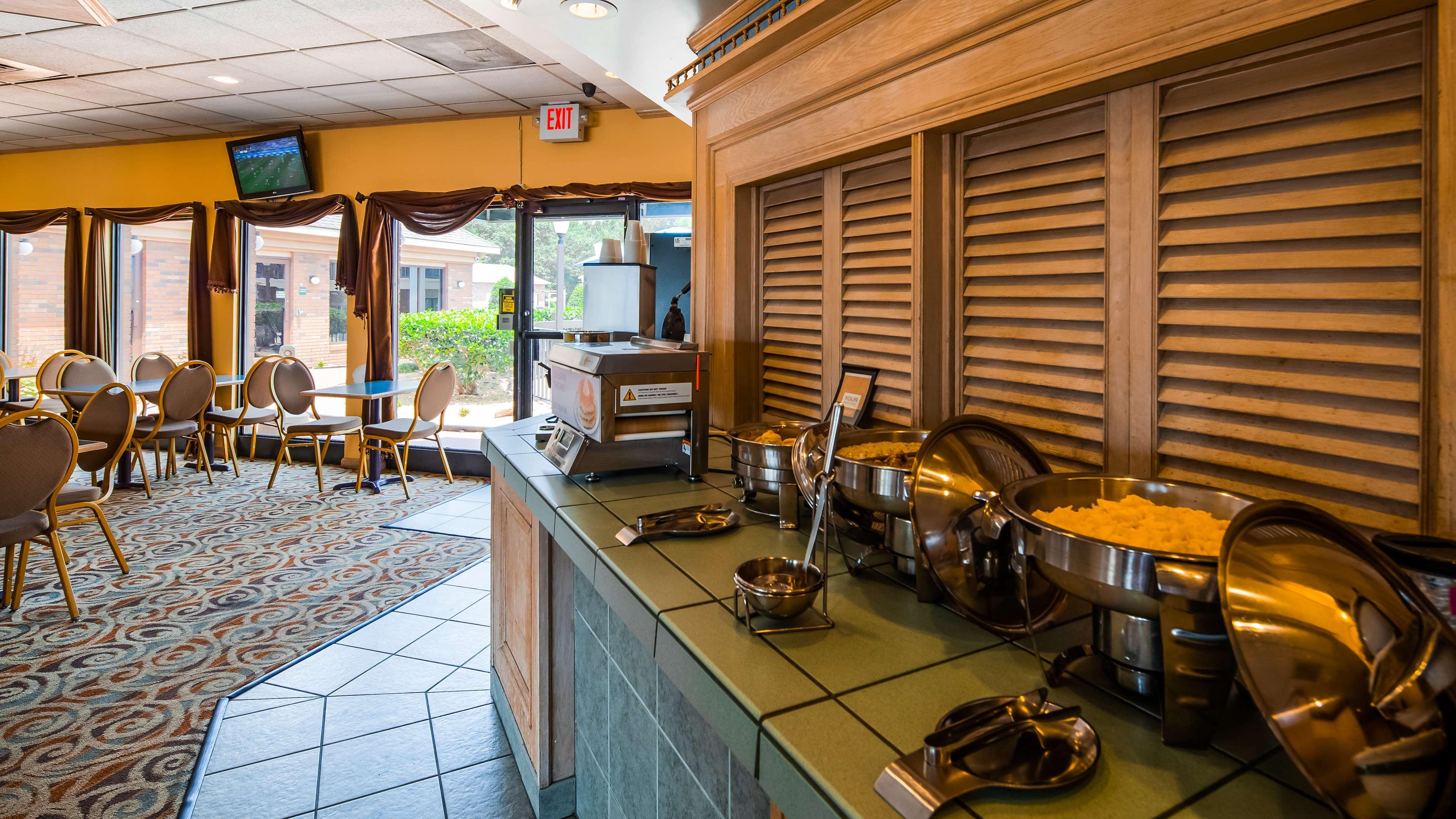 SureStay Plus Hotel by Best Western Fayetteville image 20