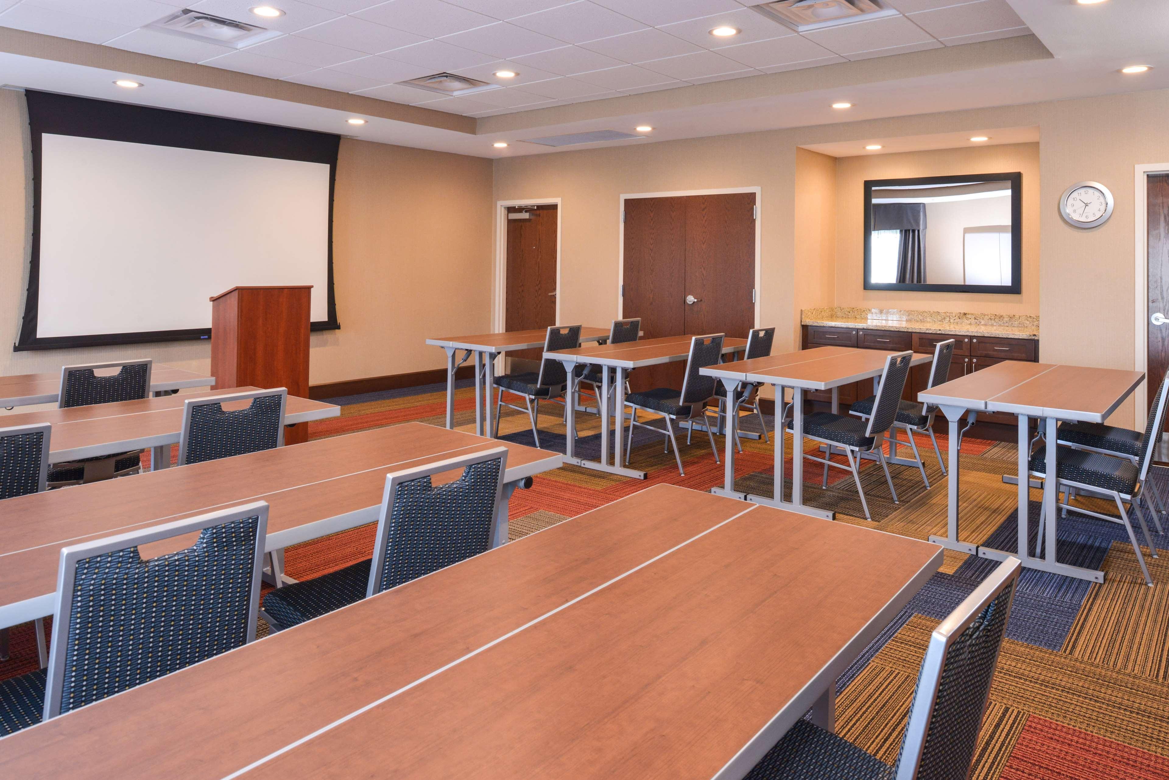Hampton Inn & Suites Lonoke image 45