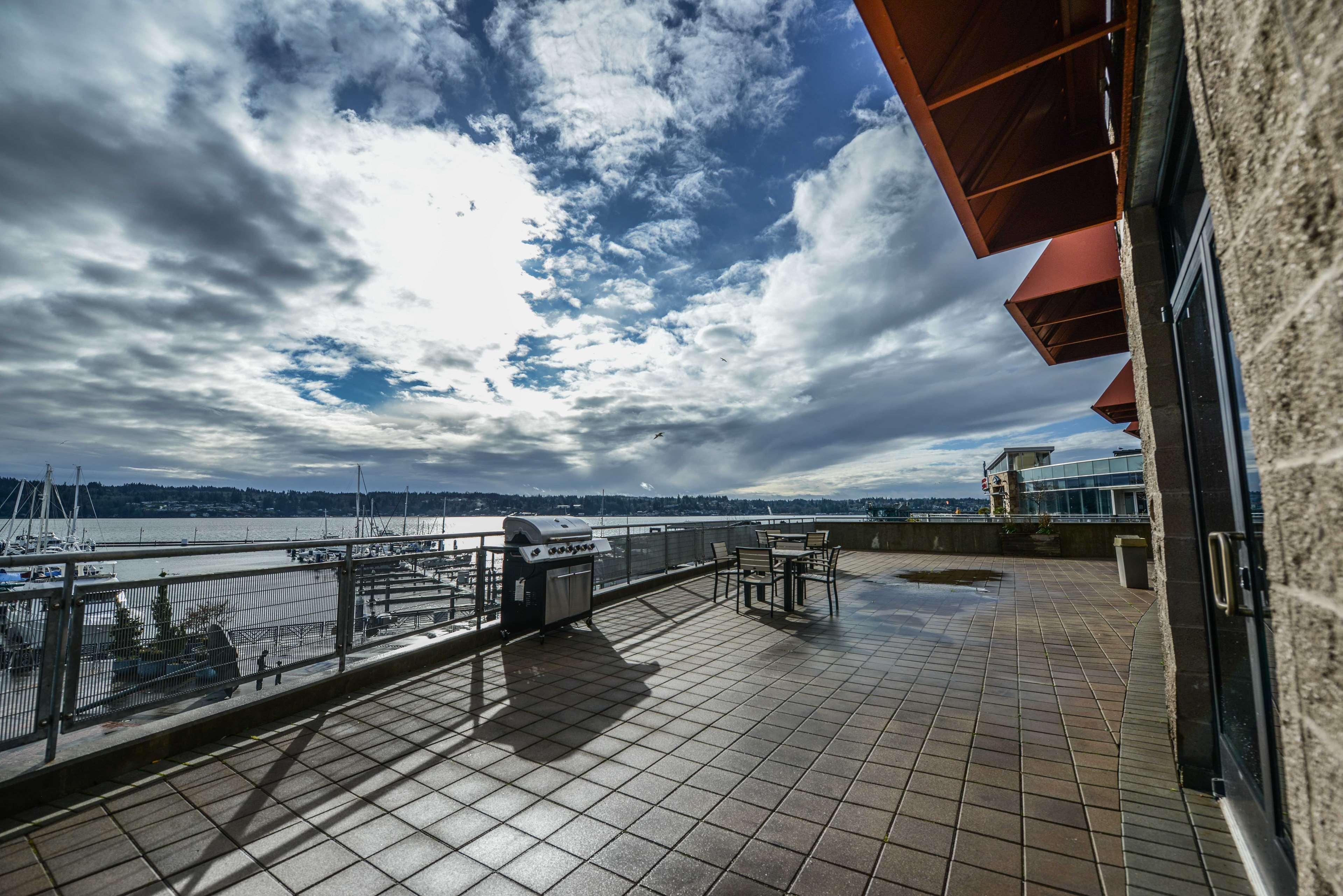 Hampton Inn & Suites Bremerton image 1