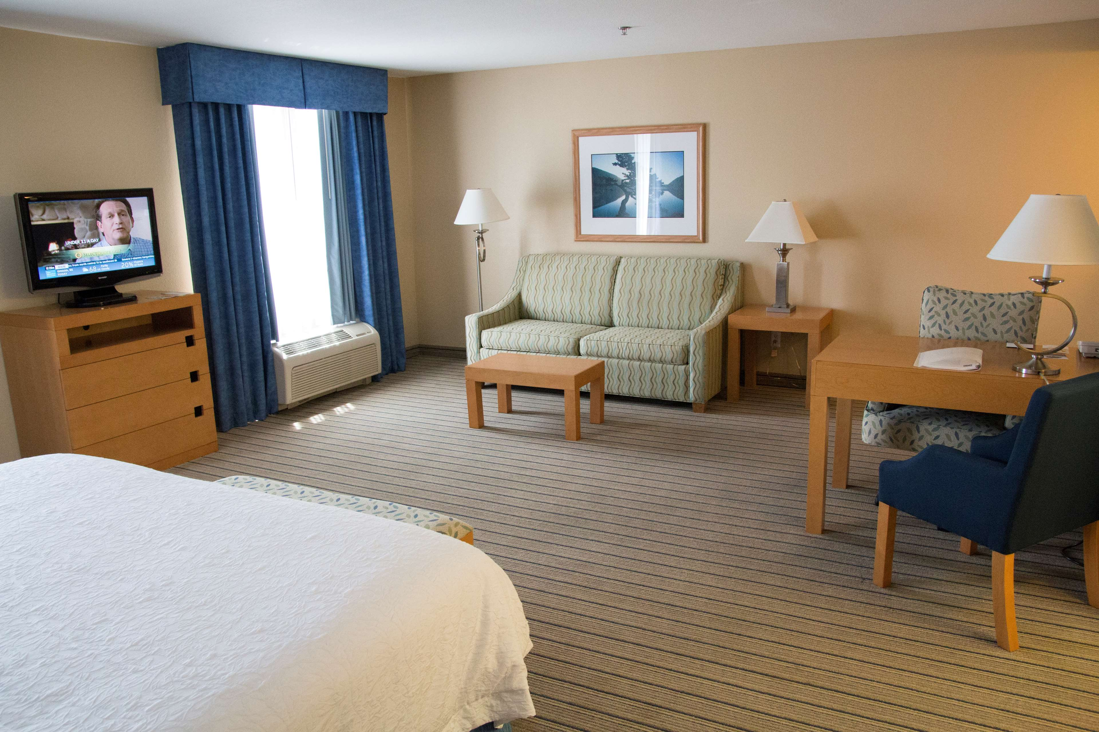 Hampton Inn & Suites Madera image 39