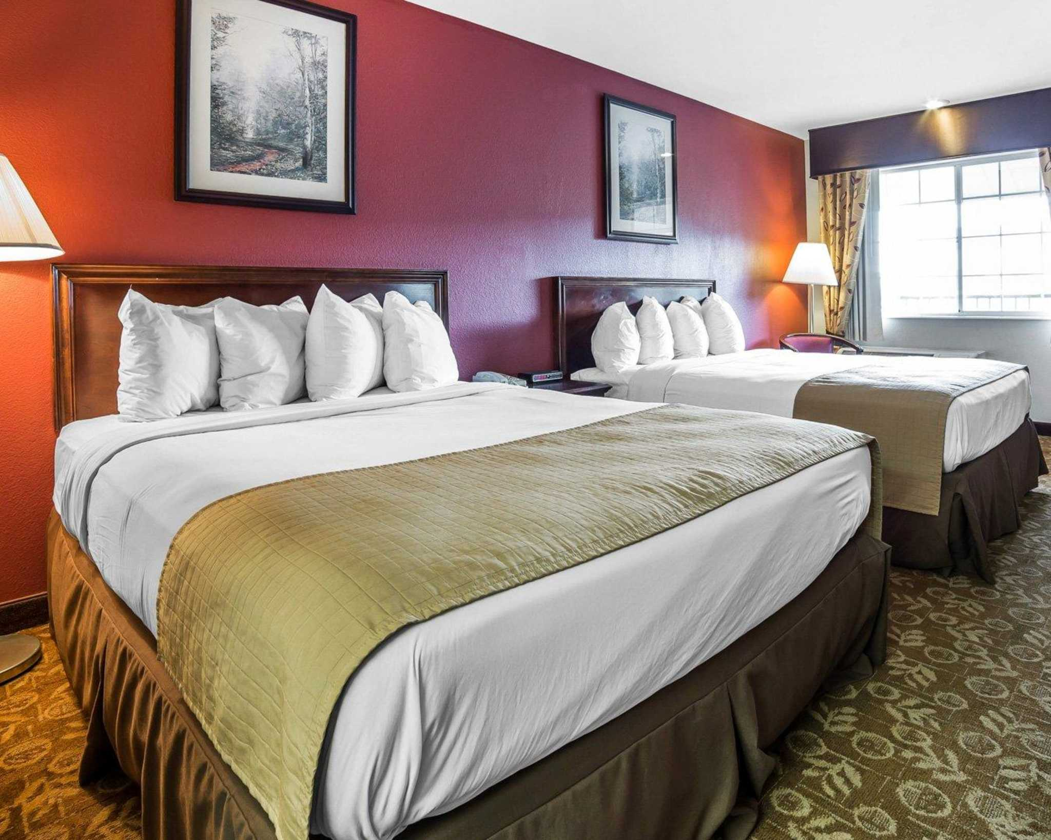Quality Inn & Suites Minden US-395 image 2