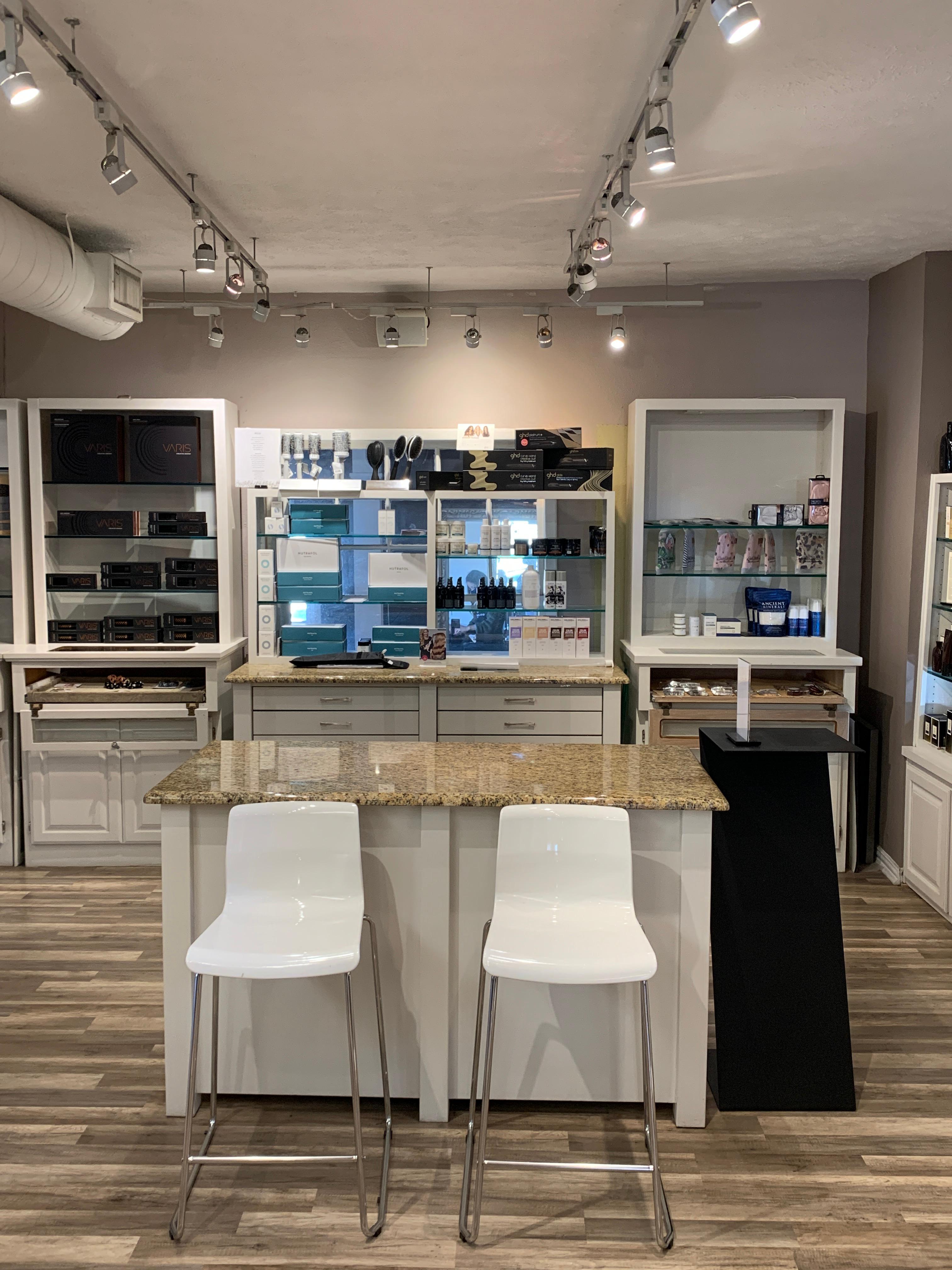 Goldwaves Salon