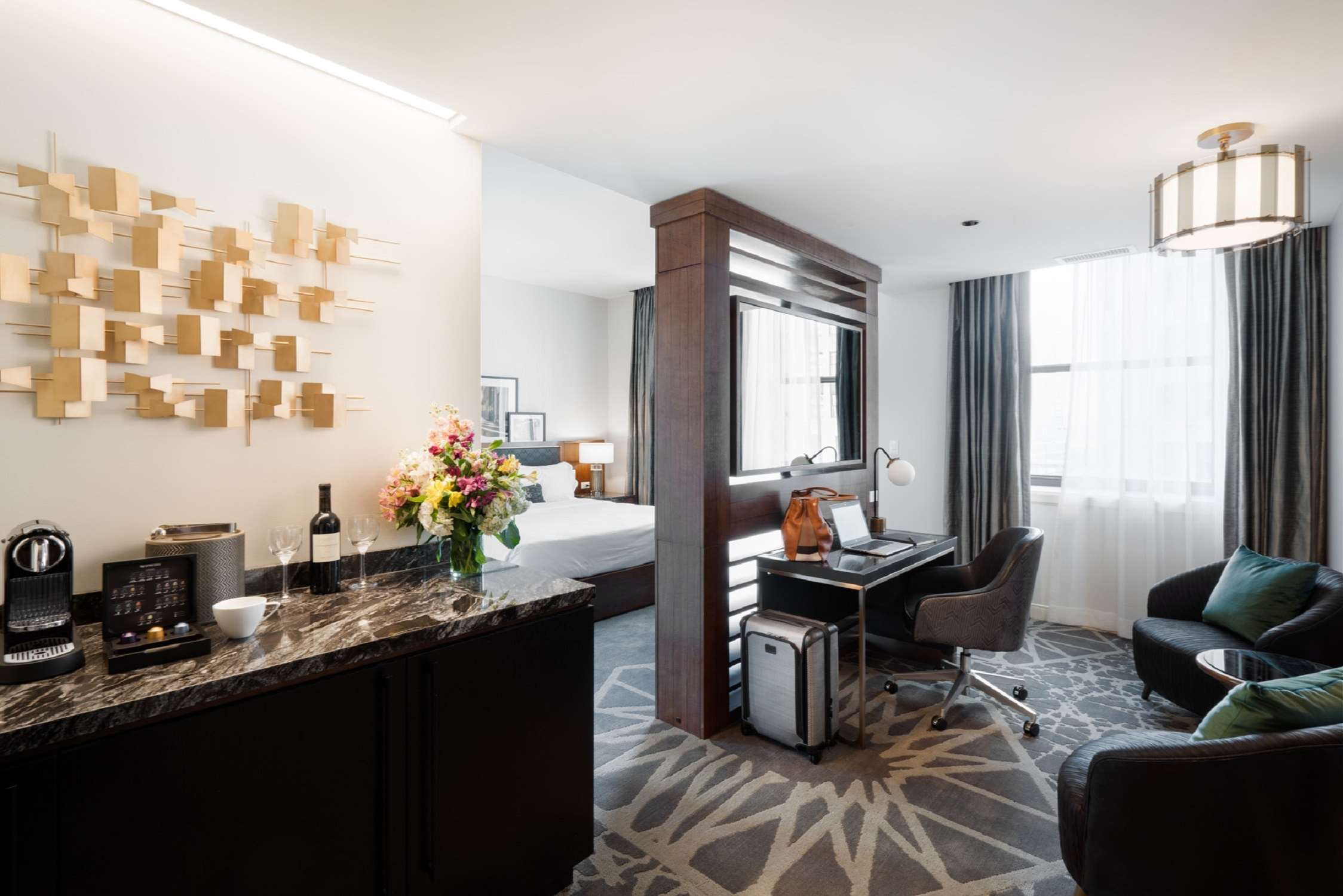 LondonHouse Chicago, Curio Collection by Hilton image 22