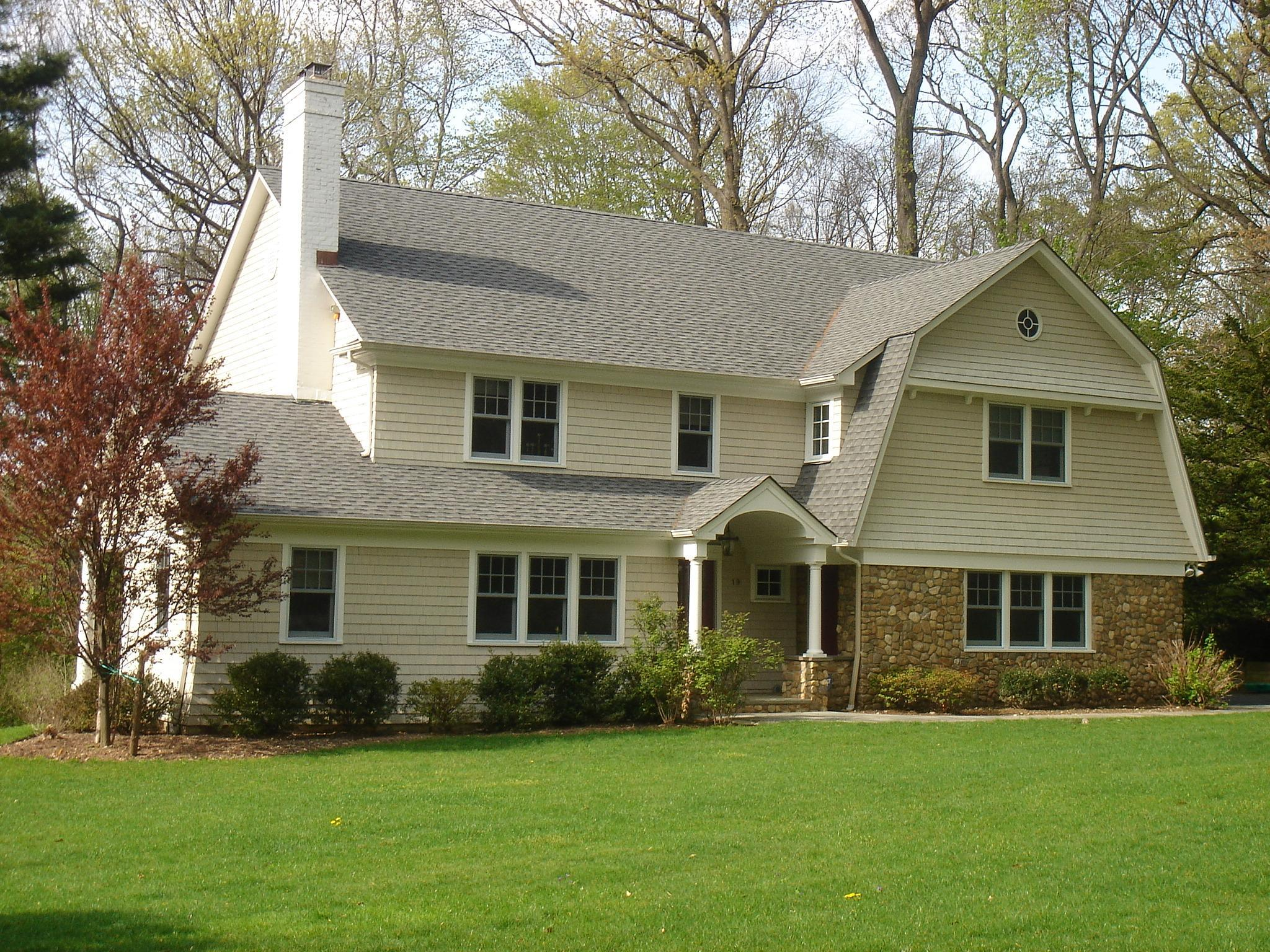 Shingle style appeal. touch of the Hamptons...