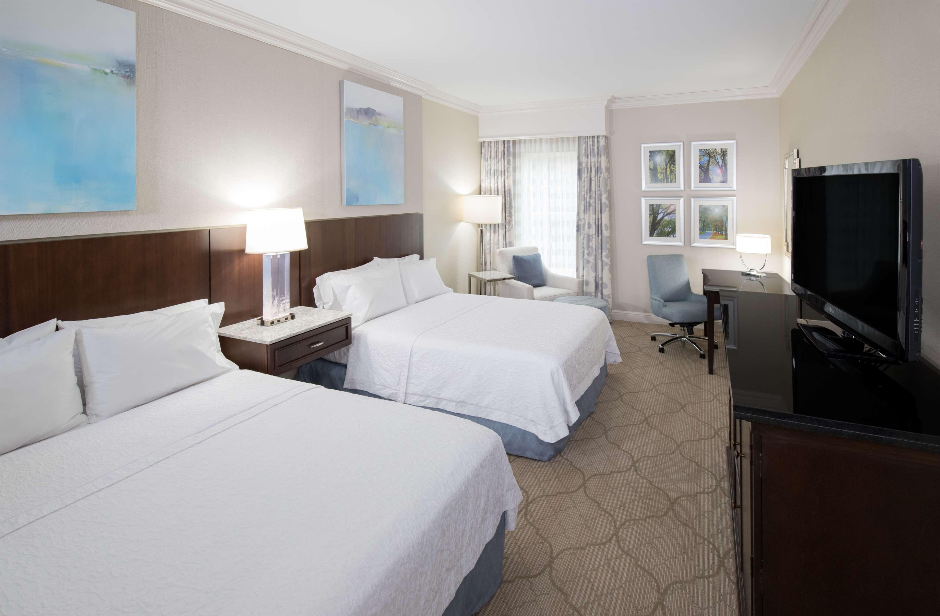Hampton Inn & Suites Charlotte/South Park at Phillips Place image 36
