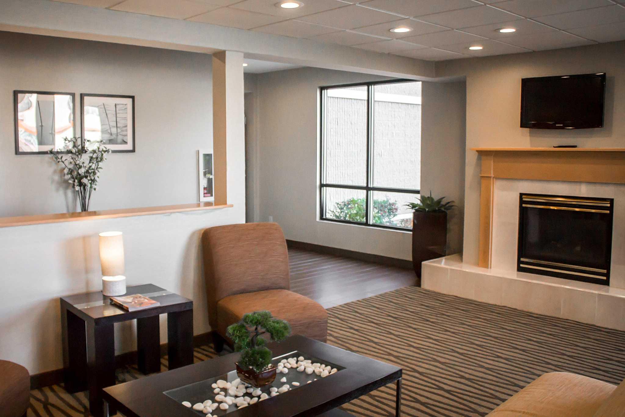 Quality Inn Central image 8