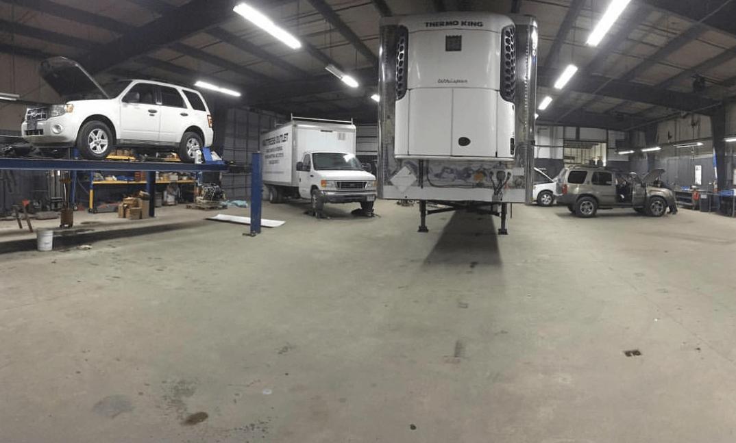 Hurlockers Truck & Trailer Repair image 2
