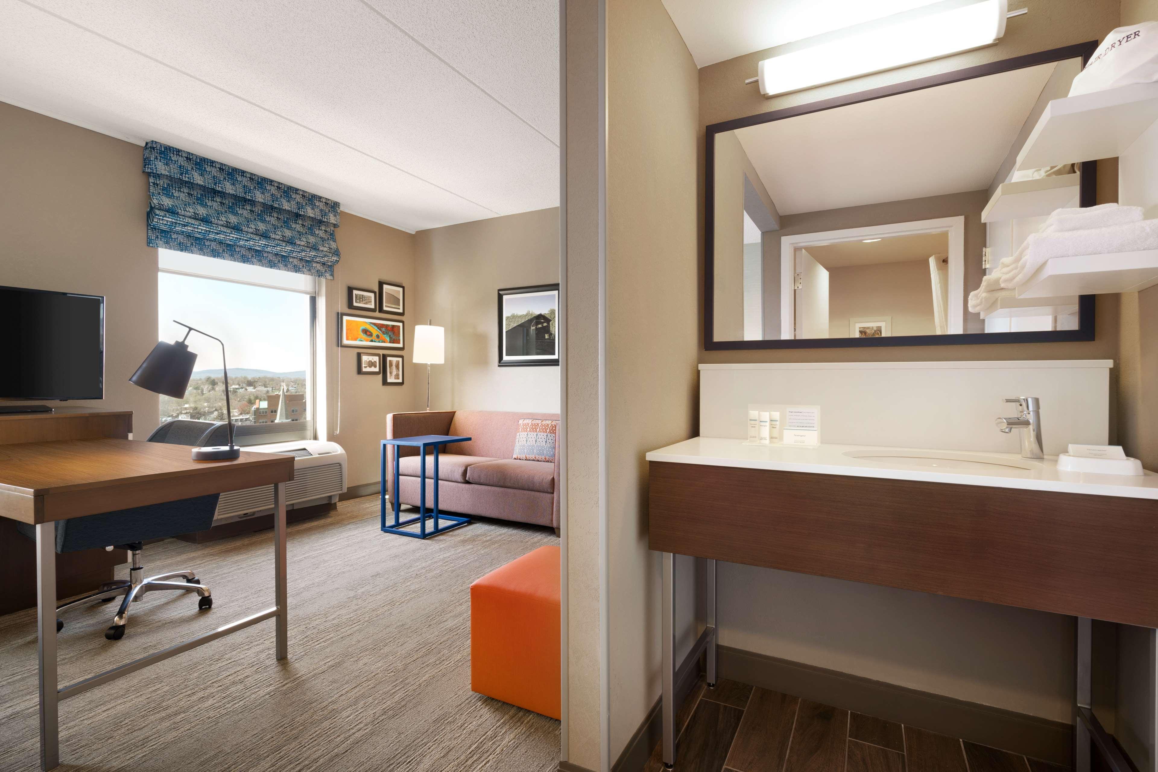 Hampton Inn & Suites Ephrata - Mountain Springs image 26