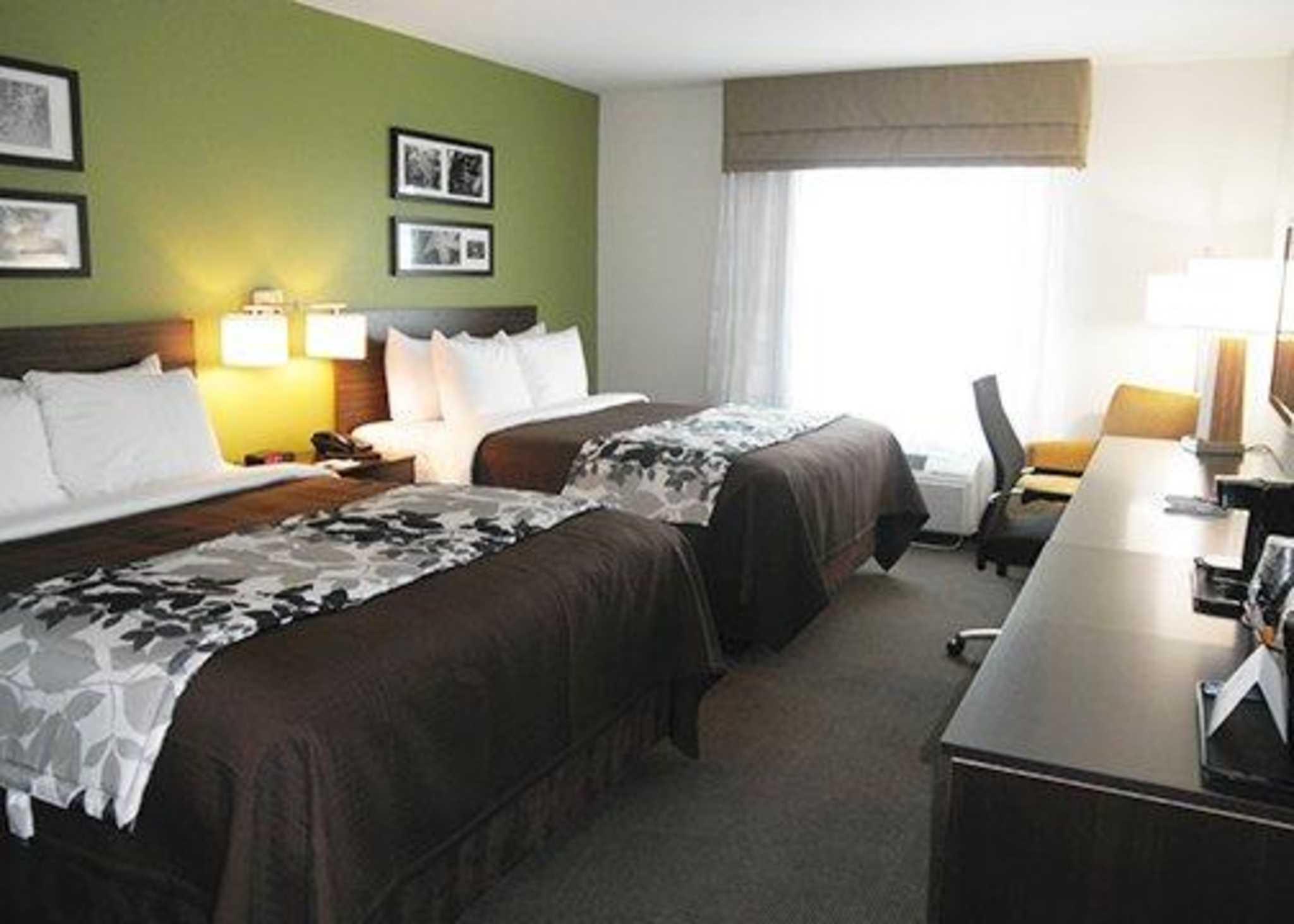 Sleep Inn & Suites Belmont / St. Clairsville image 2