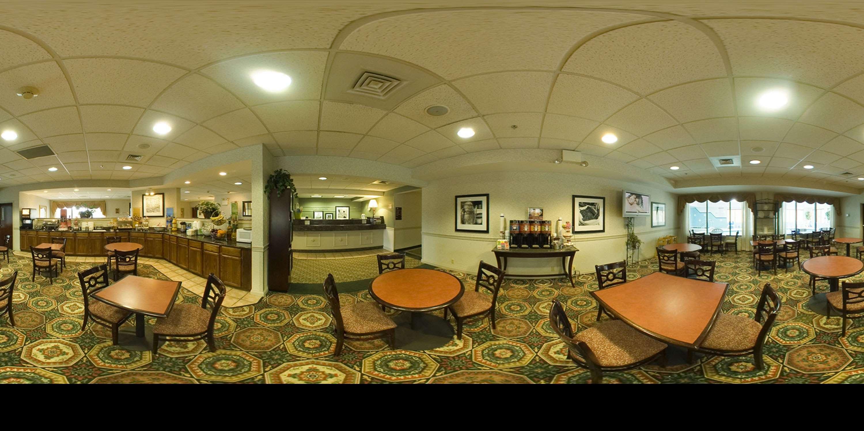 Hampton Inn Danville image 16