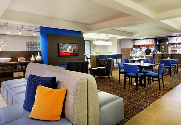 Courtyard by Marriott Mobile image 4