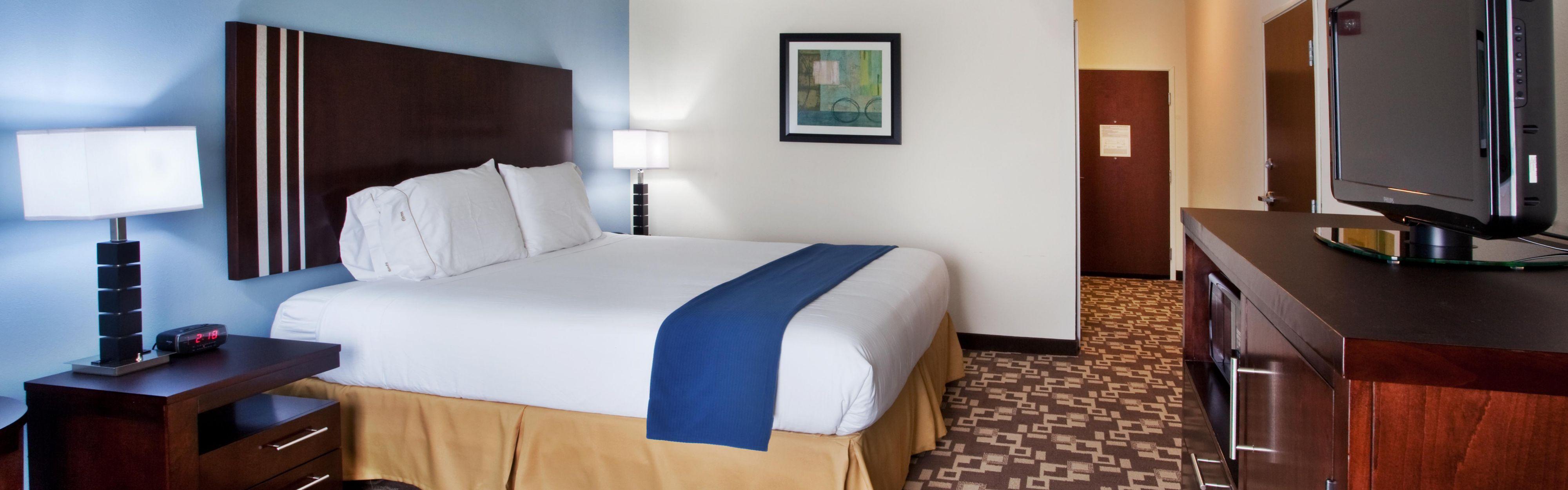 Holiday Inn Express & Suites Atlanta Arpt West - Camp Creek image 1