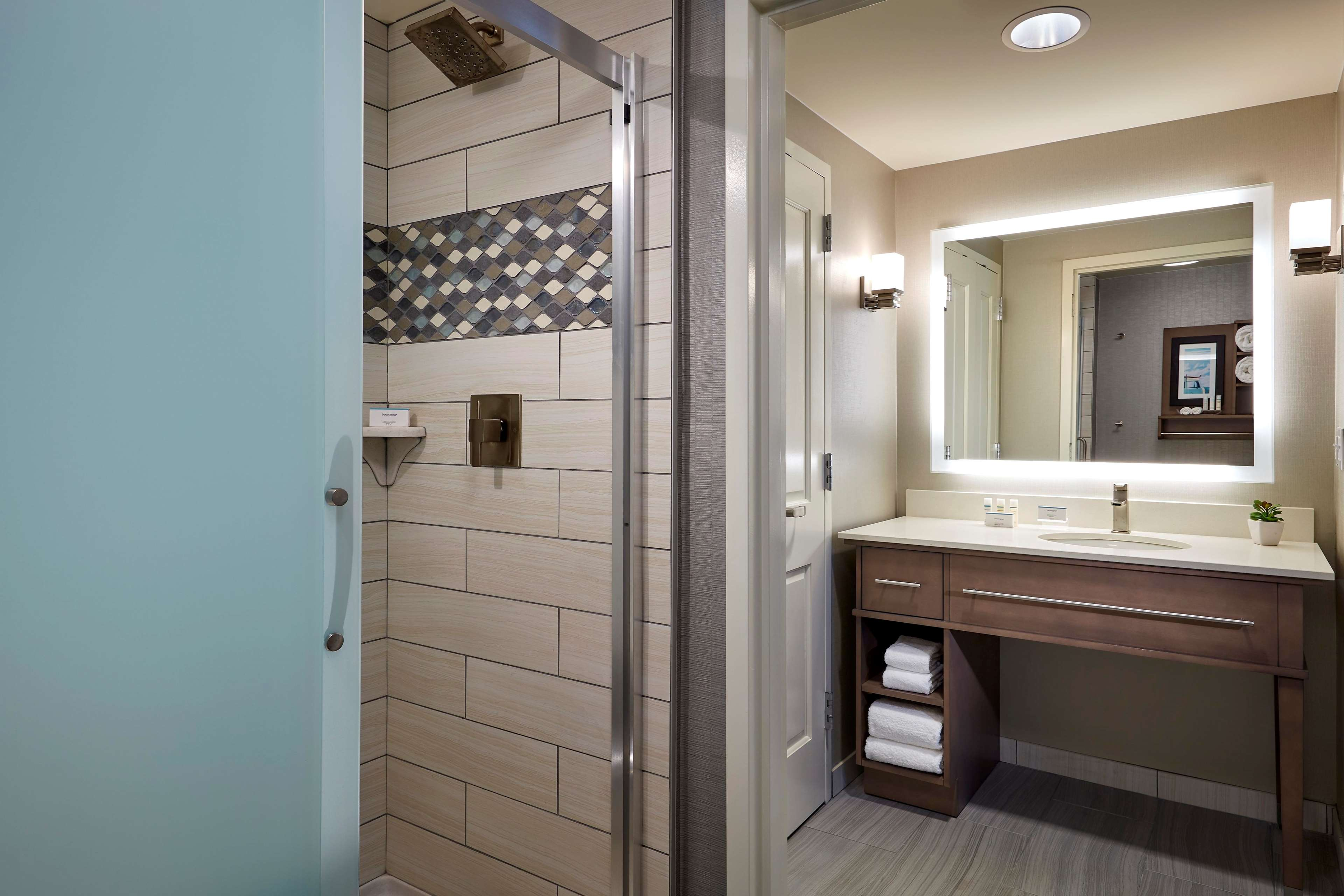 Homewood Suites by Hilton Los Angeles Redondo Beach image 5