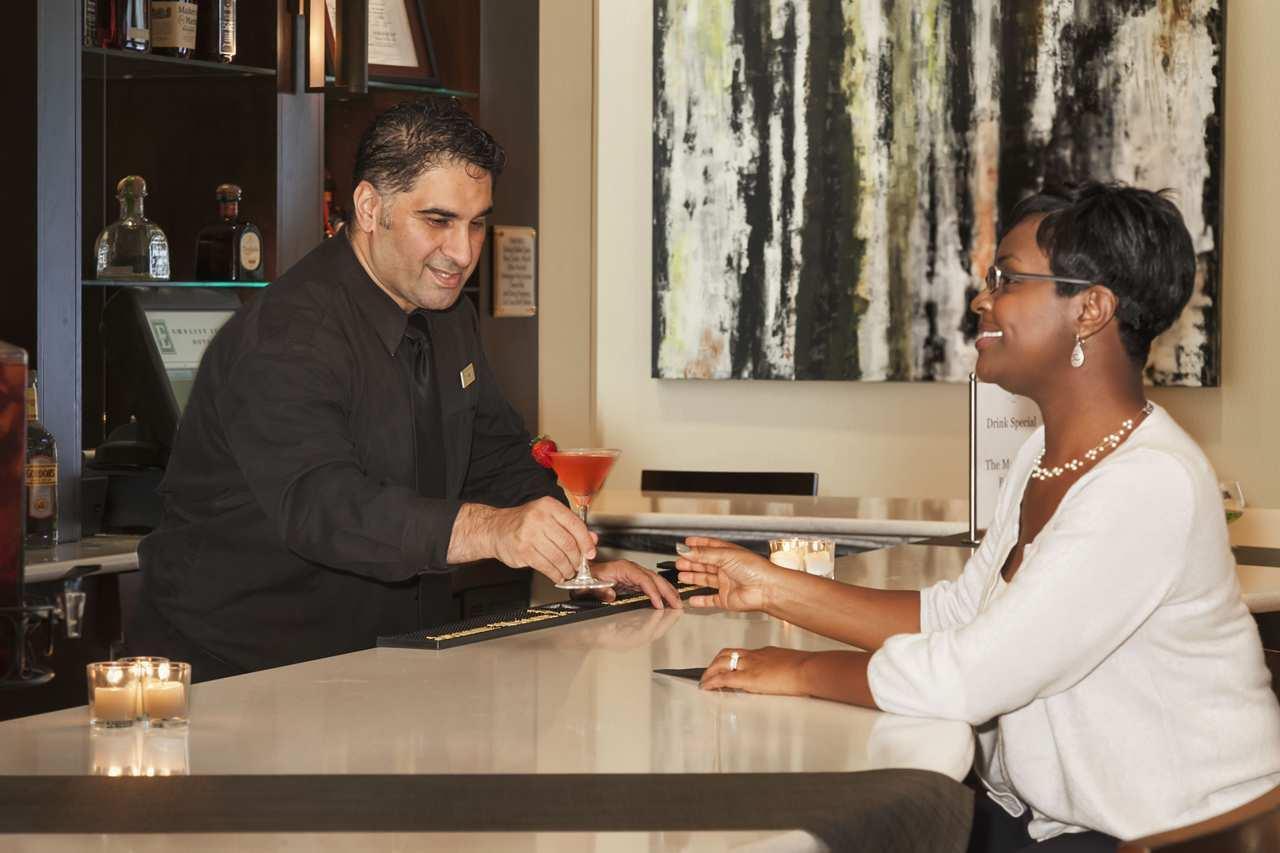 Embassy Suites by Hilton Savannah Airport image 3