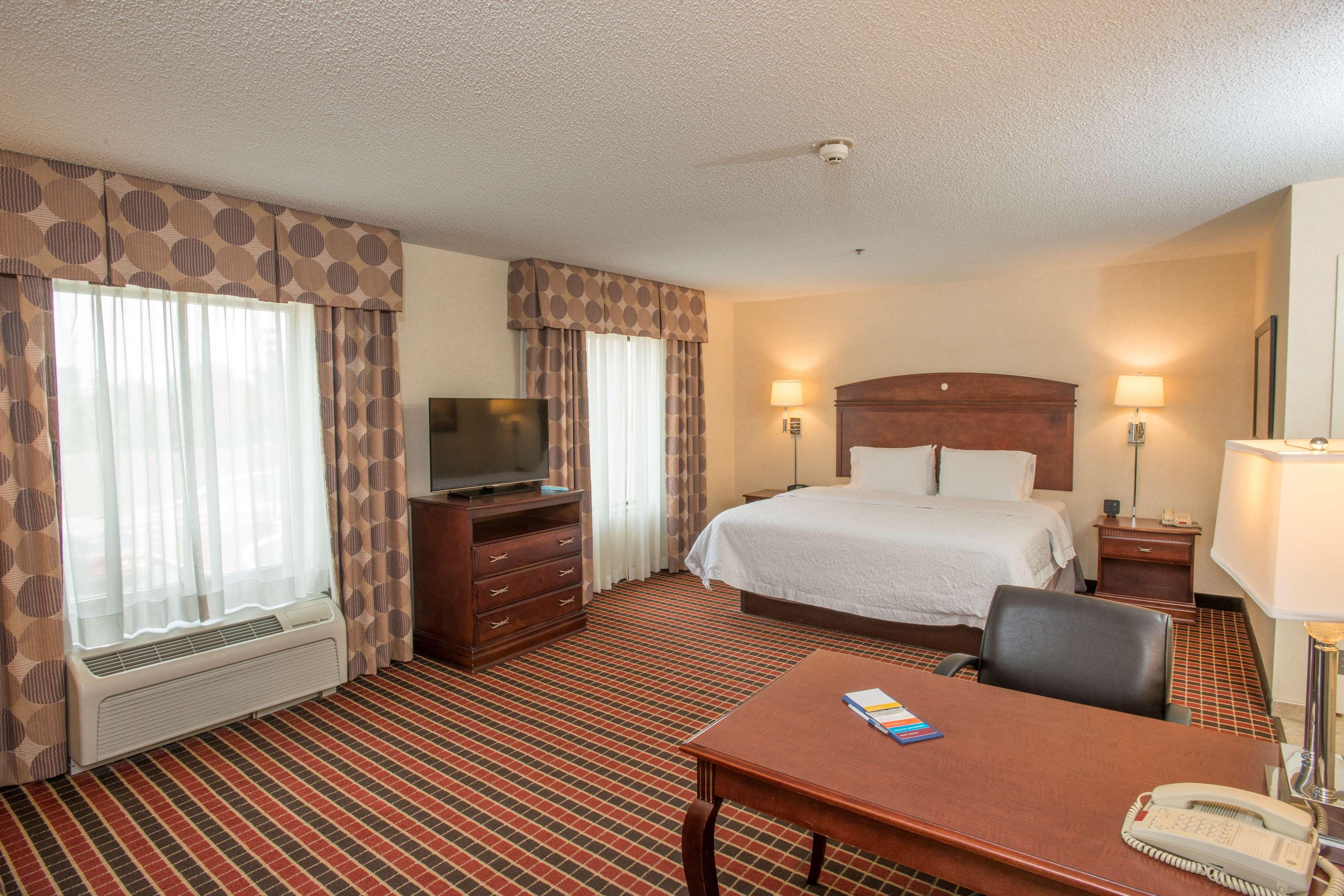 Hampton Inn & Suites Dayton-Airport image 23