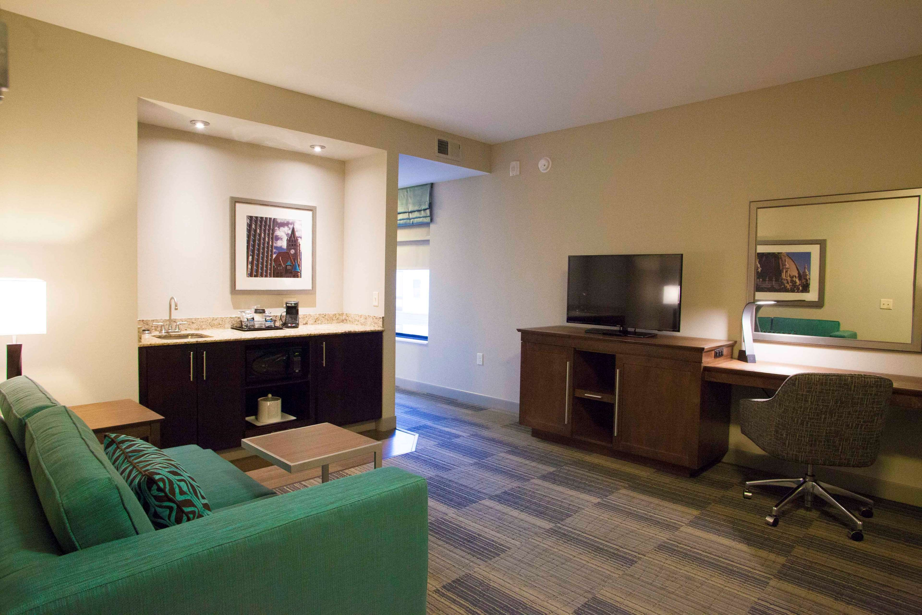 Hampton Inn & Suites Downtown St. Paul image 27