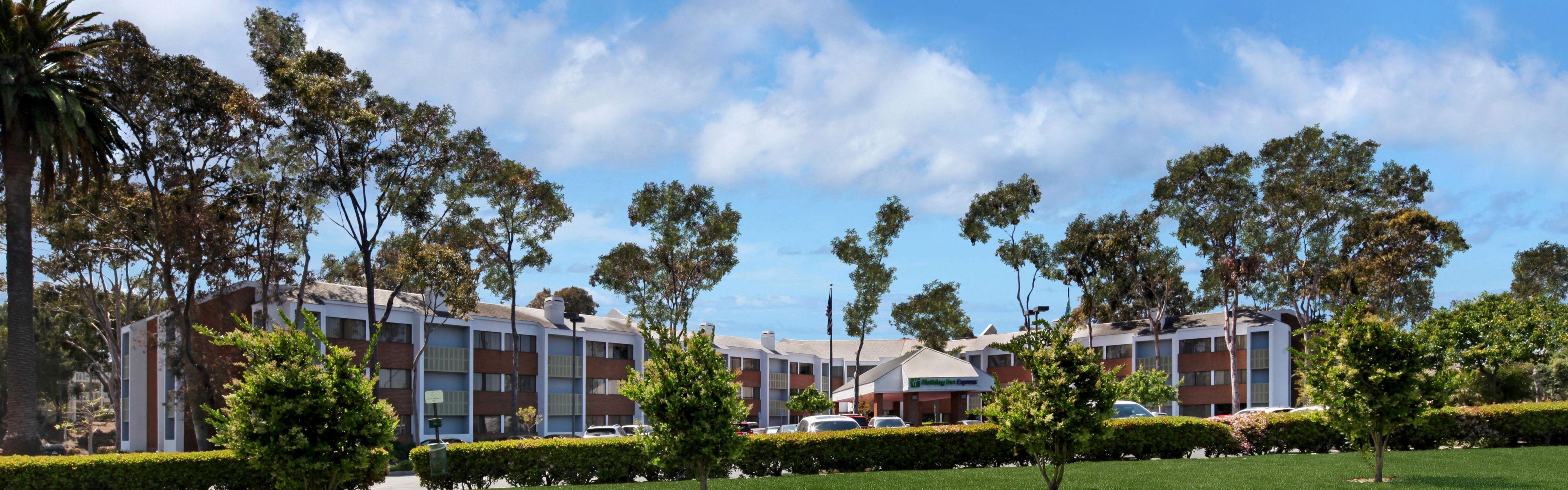 Holiday Inn Express Port Hueneme image 0