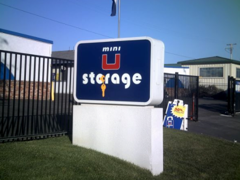 Mini U Storage image 0