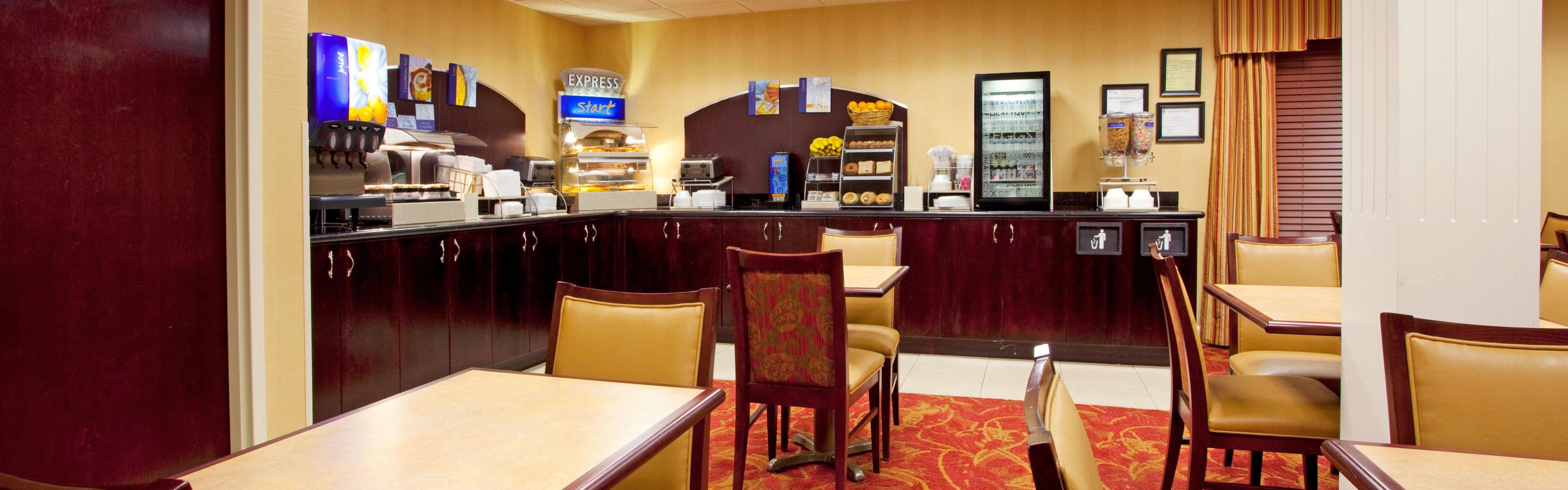 Holiday Inn Express Savannah-I-95 North image 3