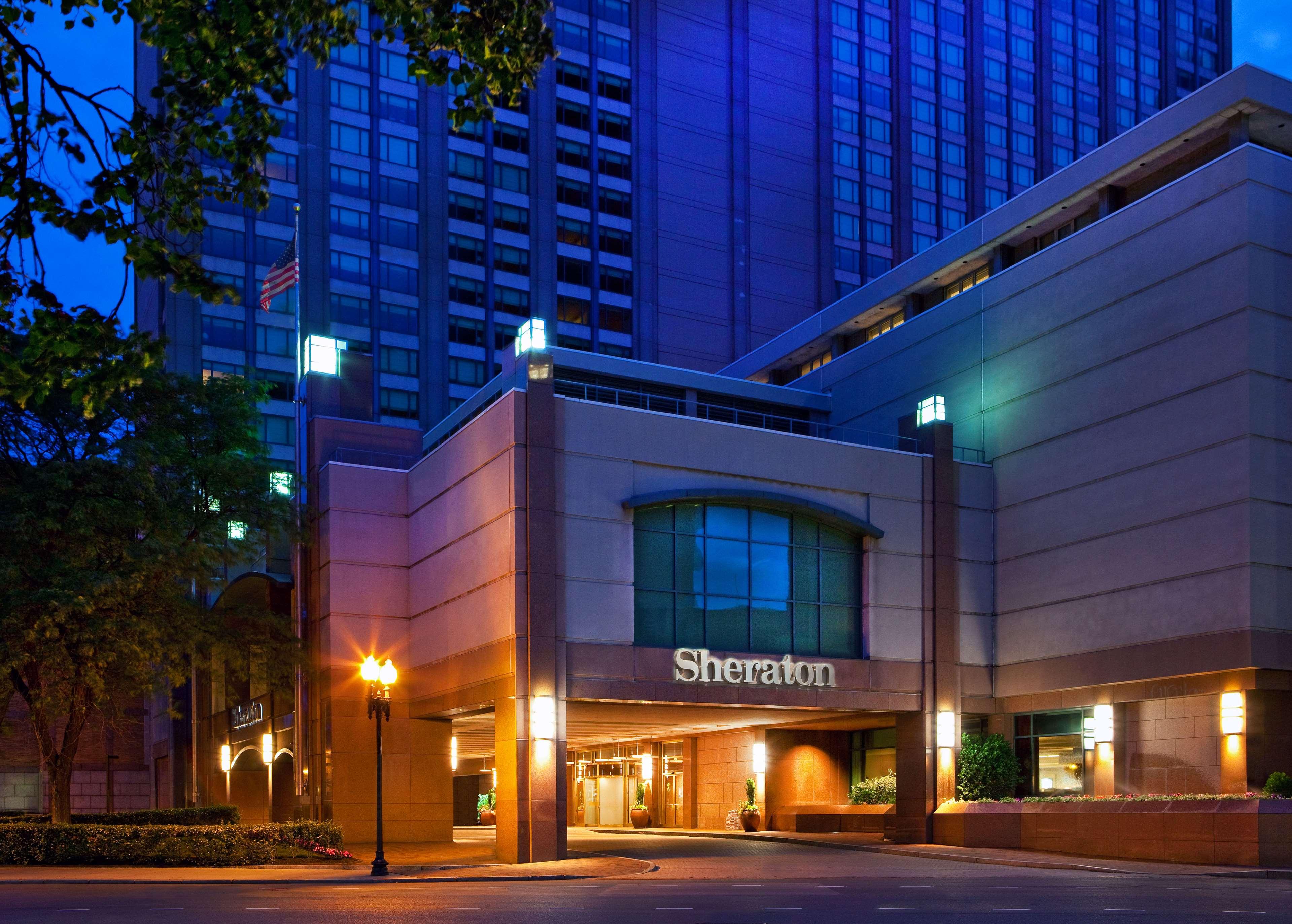 Sheraton Boston Hotel At 39 Dalton Street Boston Ma On Fave