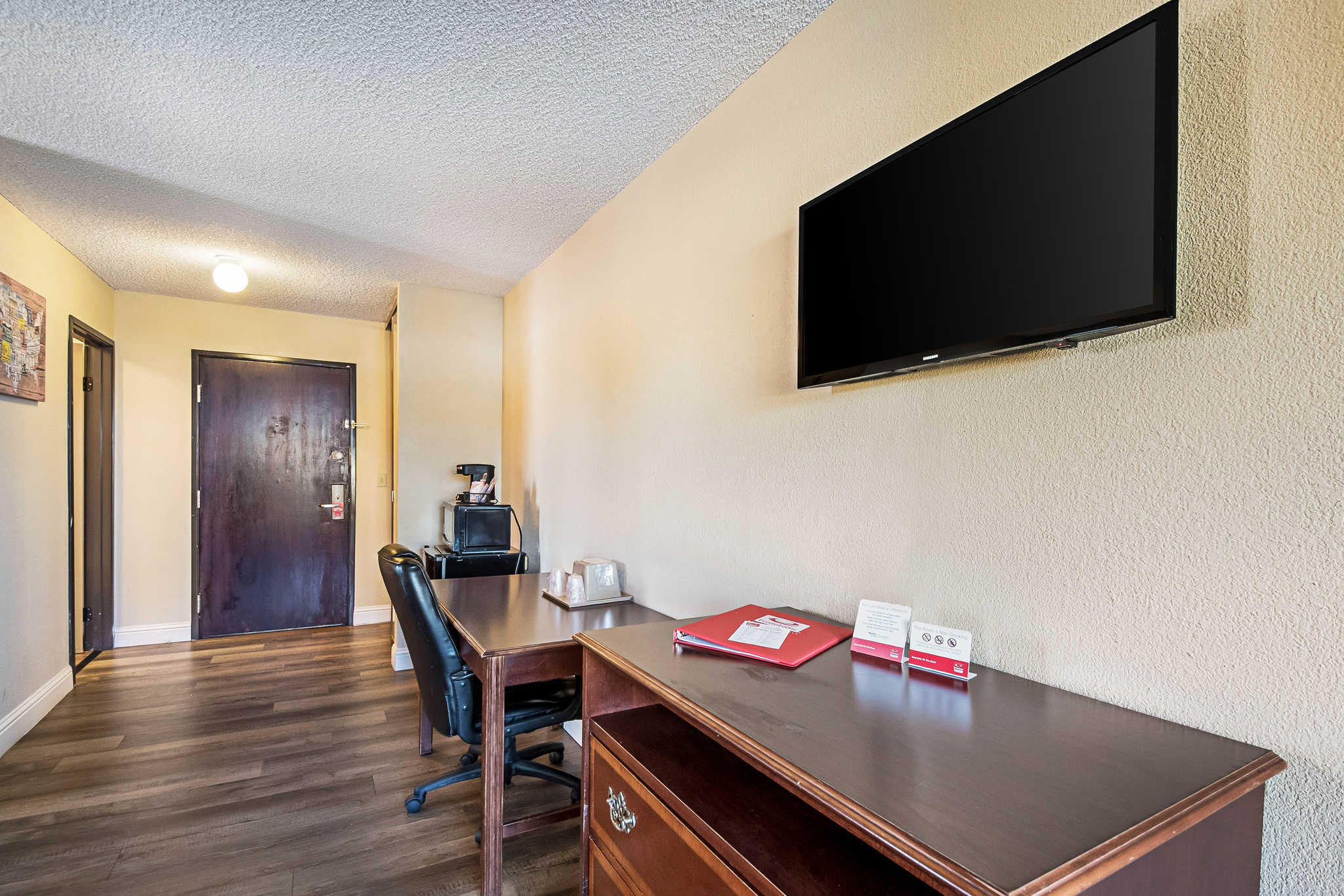 Econo Lodge Inn & Suites Yuba City - Marysville image 16