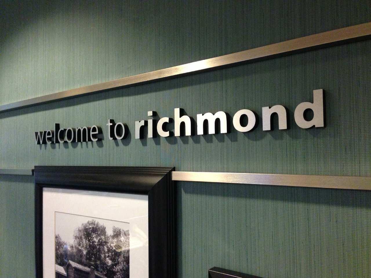 Hampton Inn Richmond image 0
