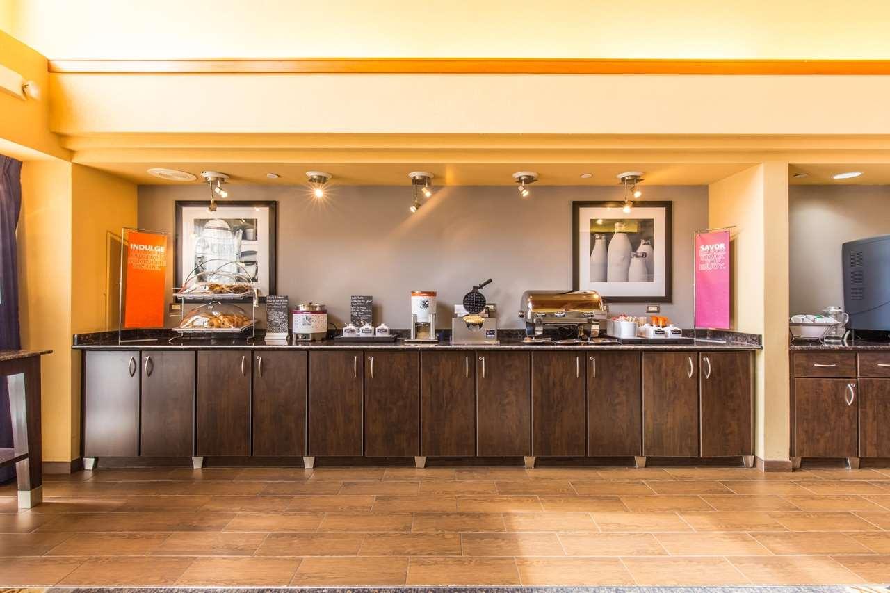 Hampton Inn & Suites Chicago/Hoffman Estates image 31